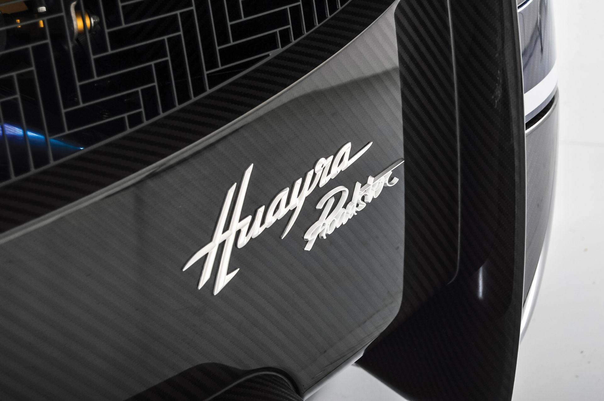 Pagani_Huayra_Roadster_sale_0003