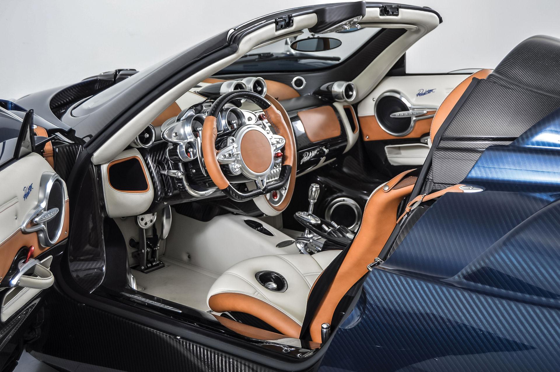 Pagani_Huayra_Roadster_sale_0011