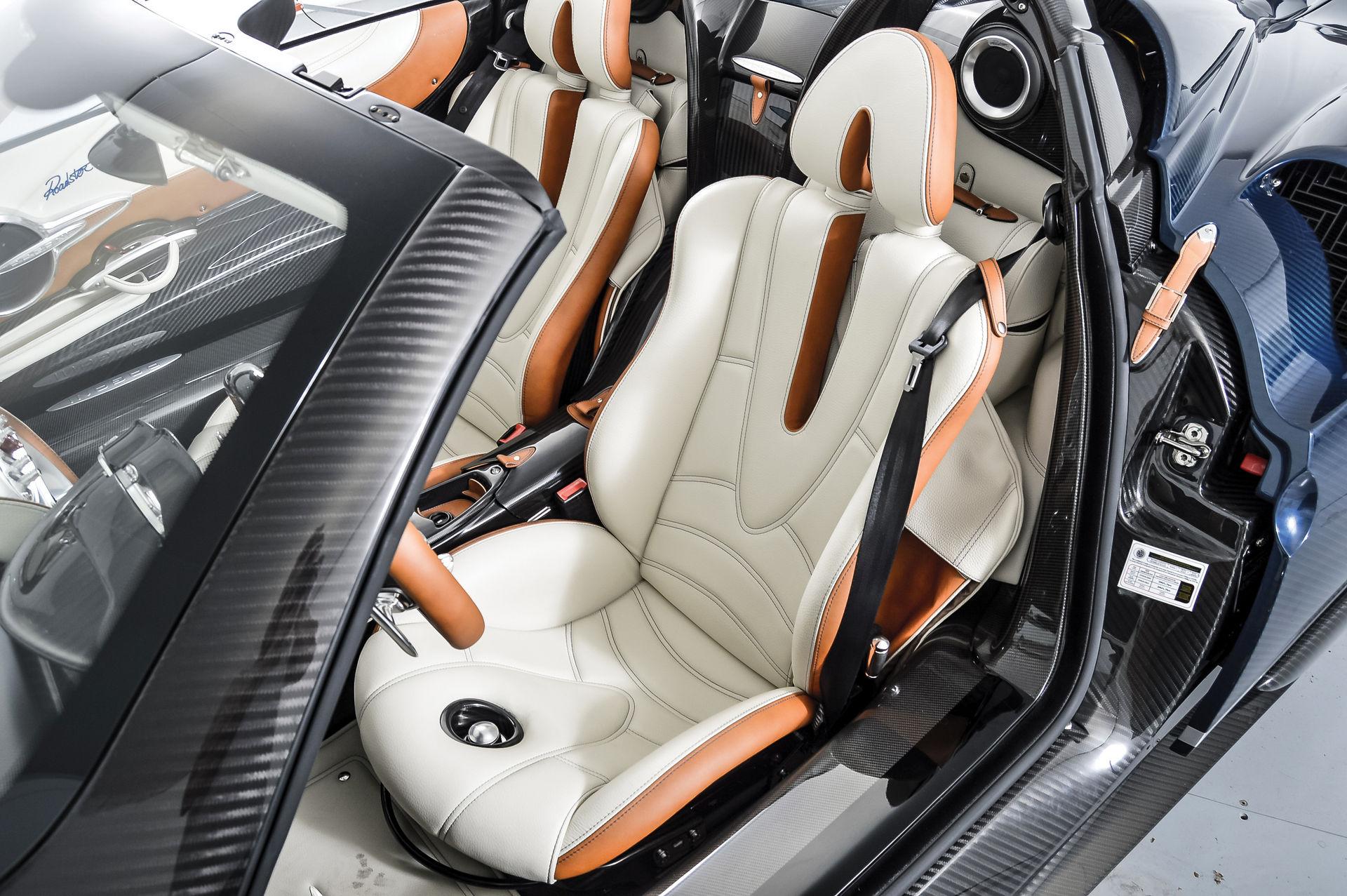 Pagani_Huayra_Roadster_sale_0013