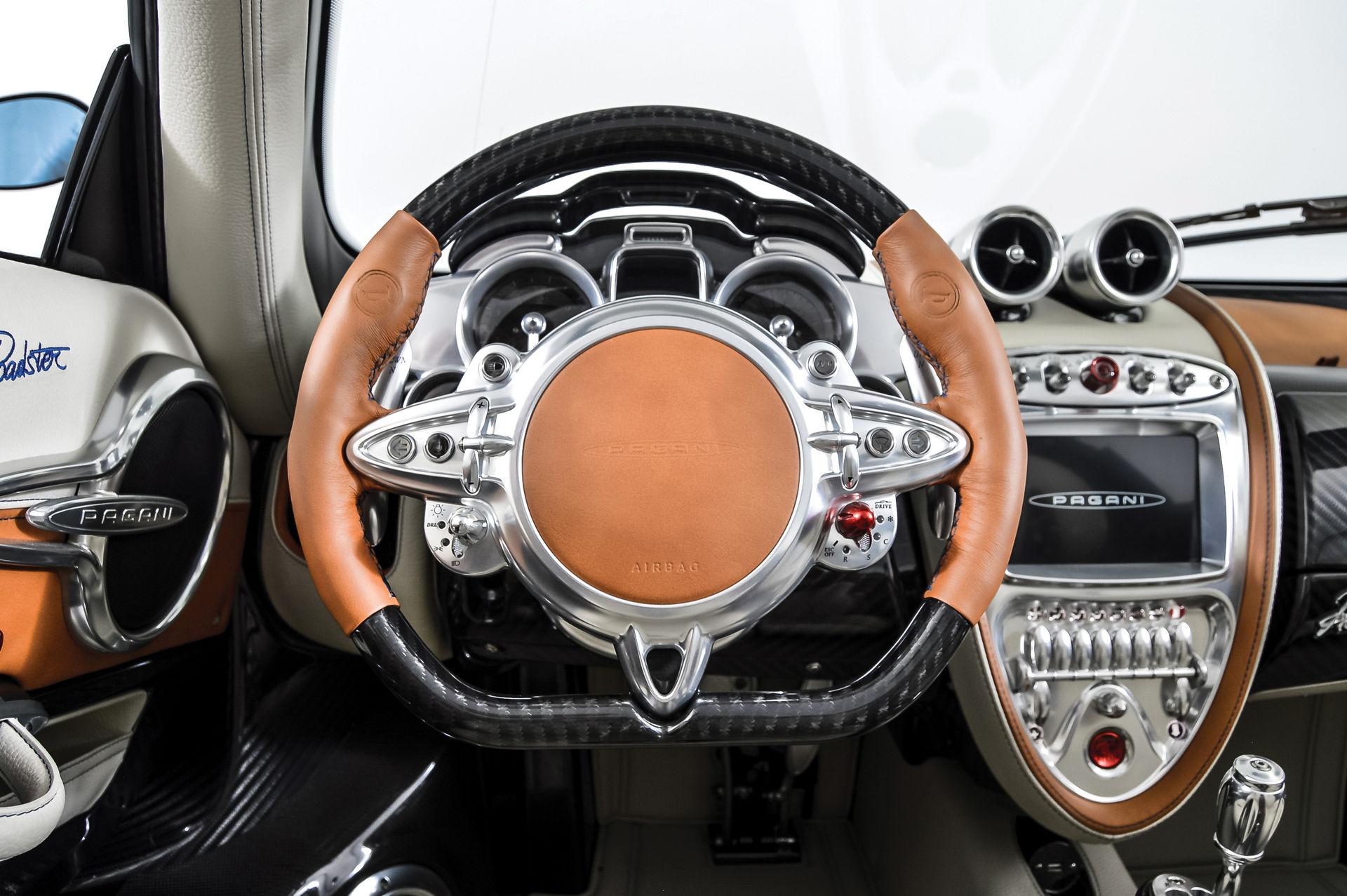 Pagani_Huayra_Roadster_sale_0014