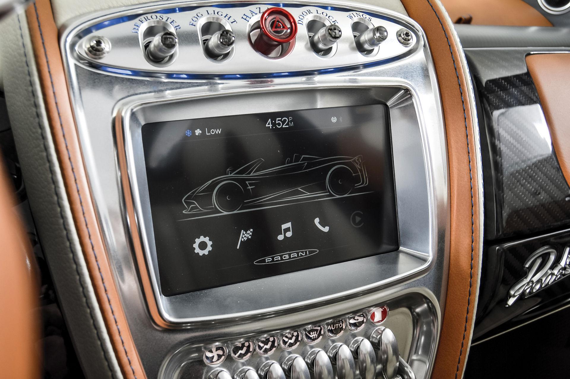 Pagani_Huayra_Roadster_sale_0019