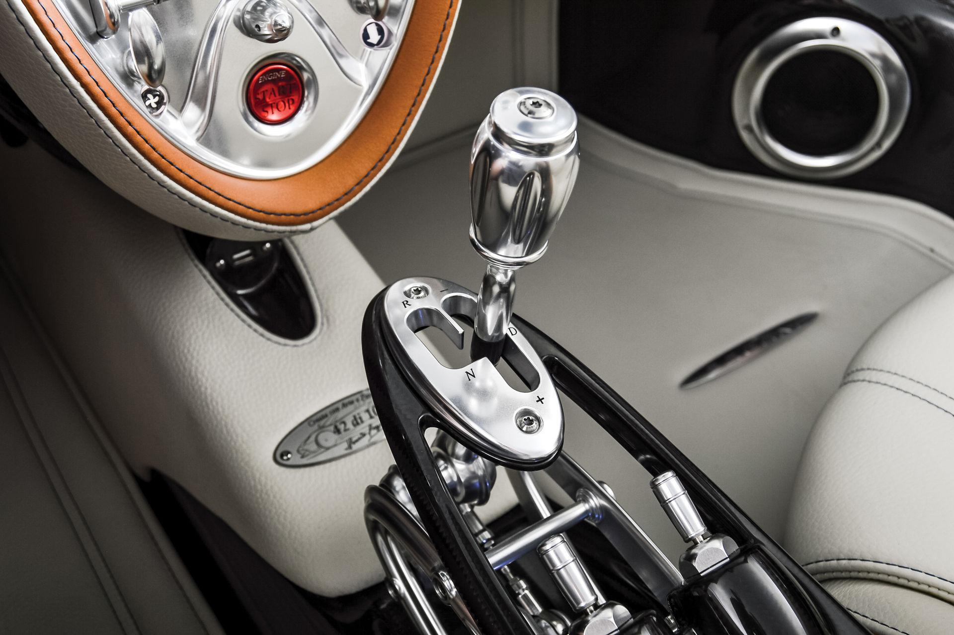 Pagani_Huayra_Roadster_sale_0020