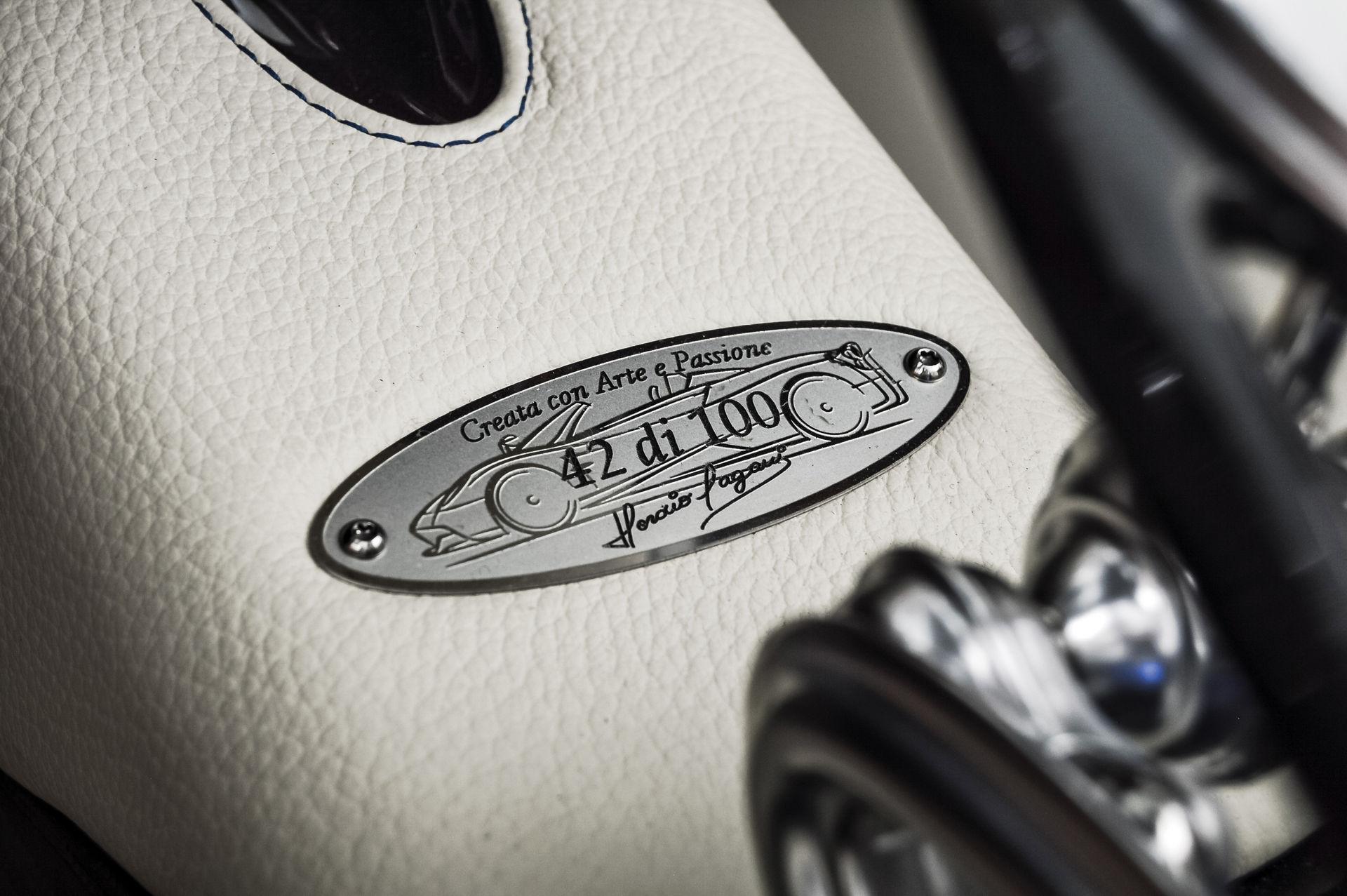 Pagani_Huayra_Roadster_sale_0021