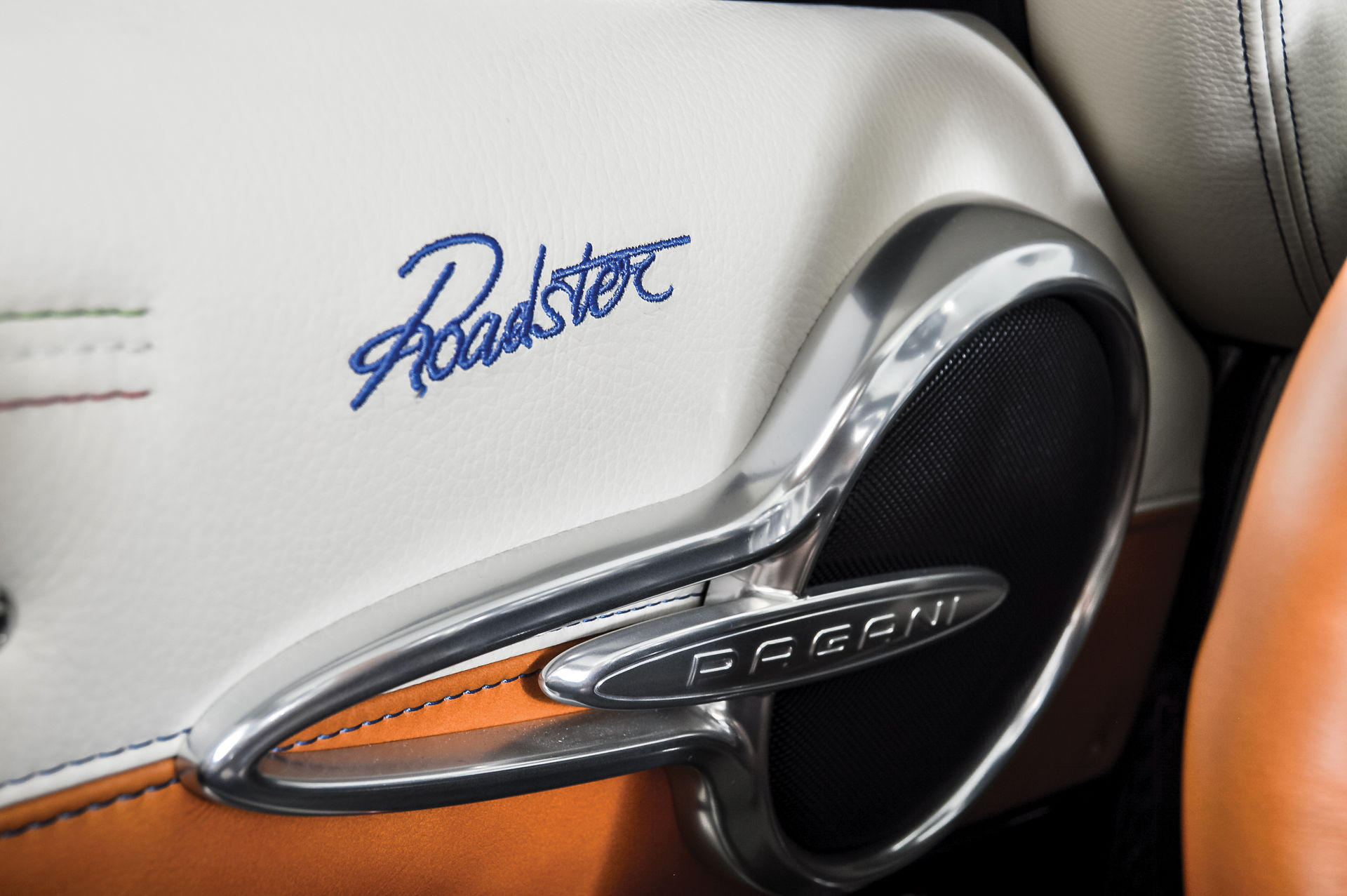 Pagani_Huayra_Roadster_sale_0022