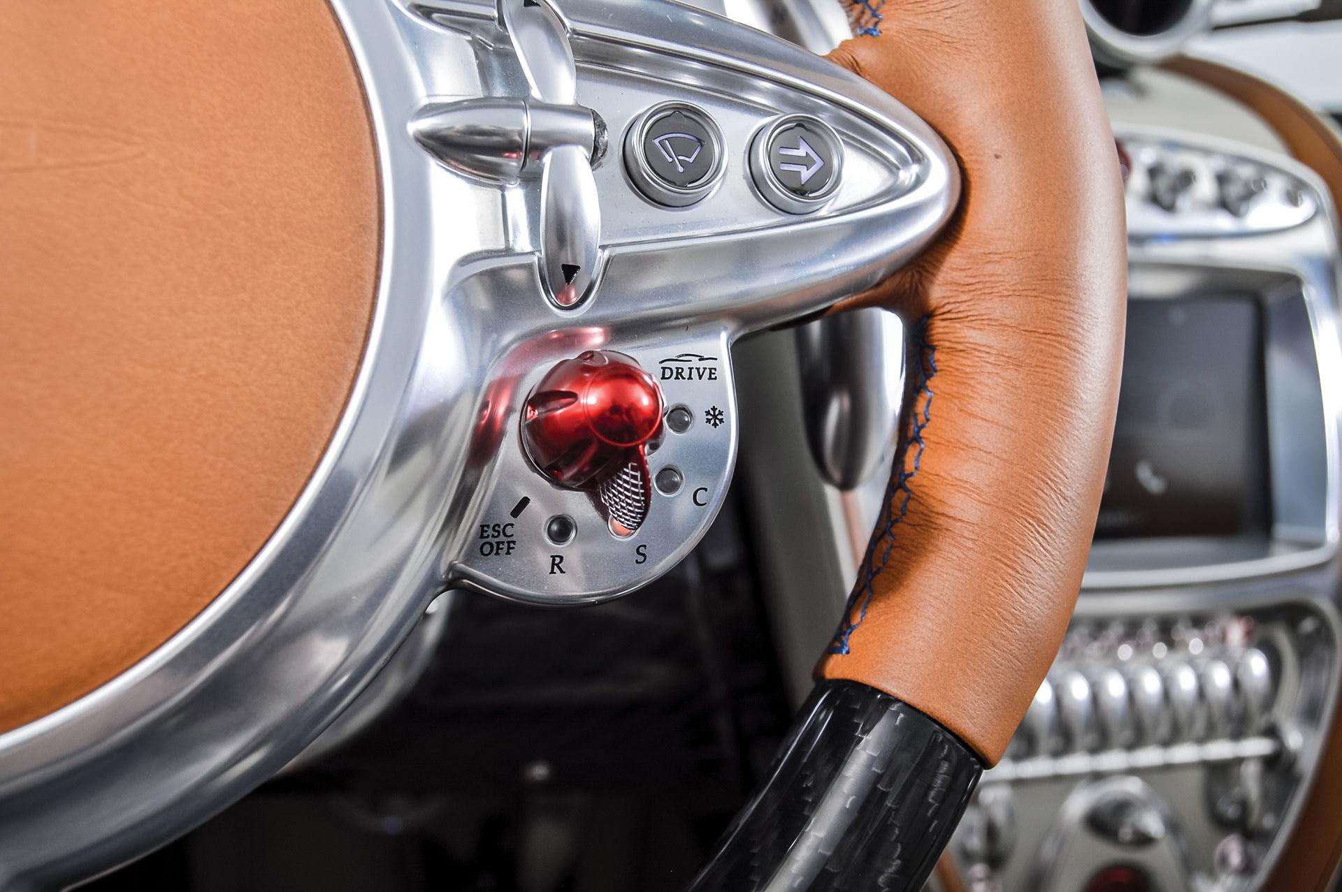 Pagani_Huayra_Roadster_sale_0026