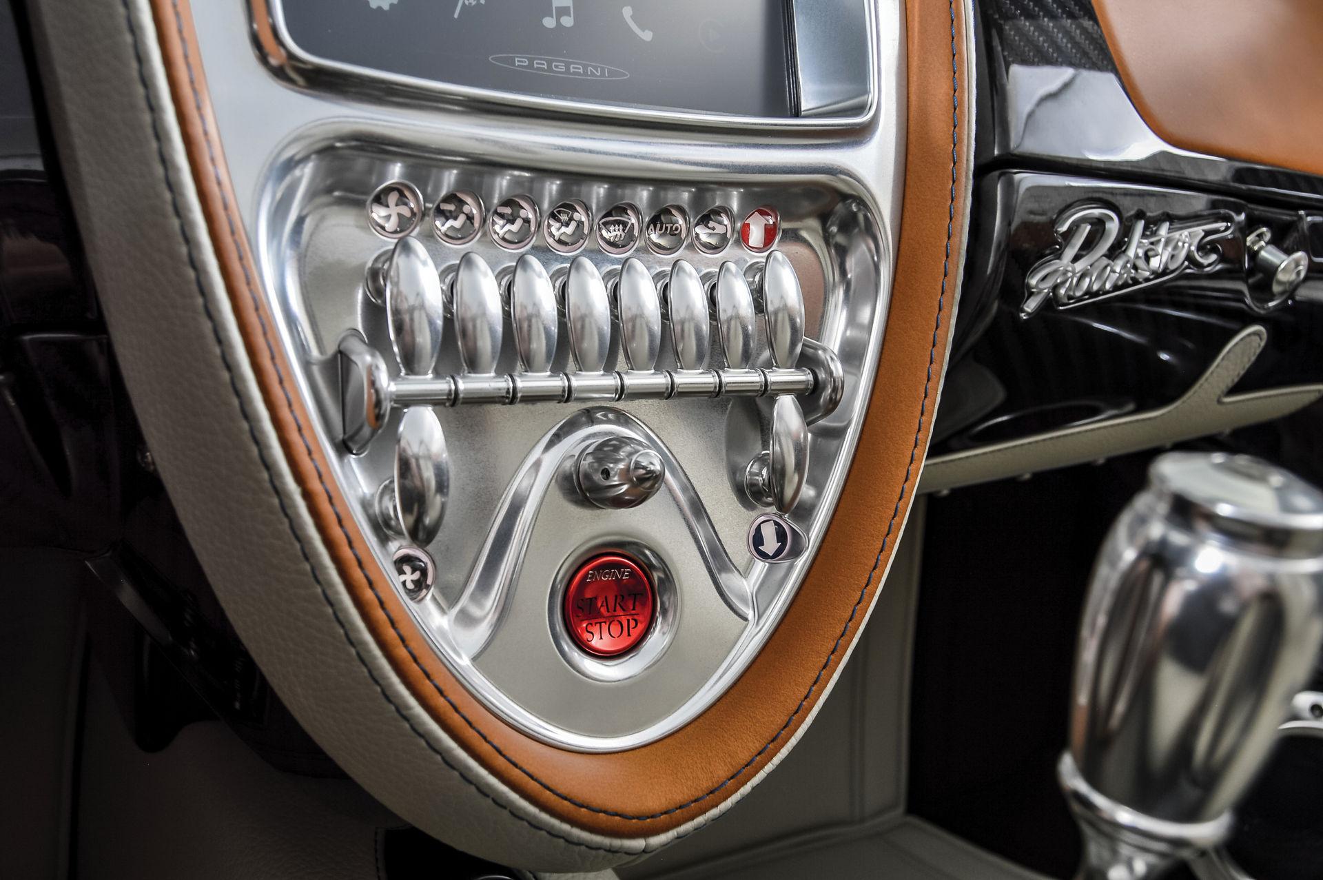 Pagani_Huayra_Roadster_sale_0028