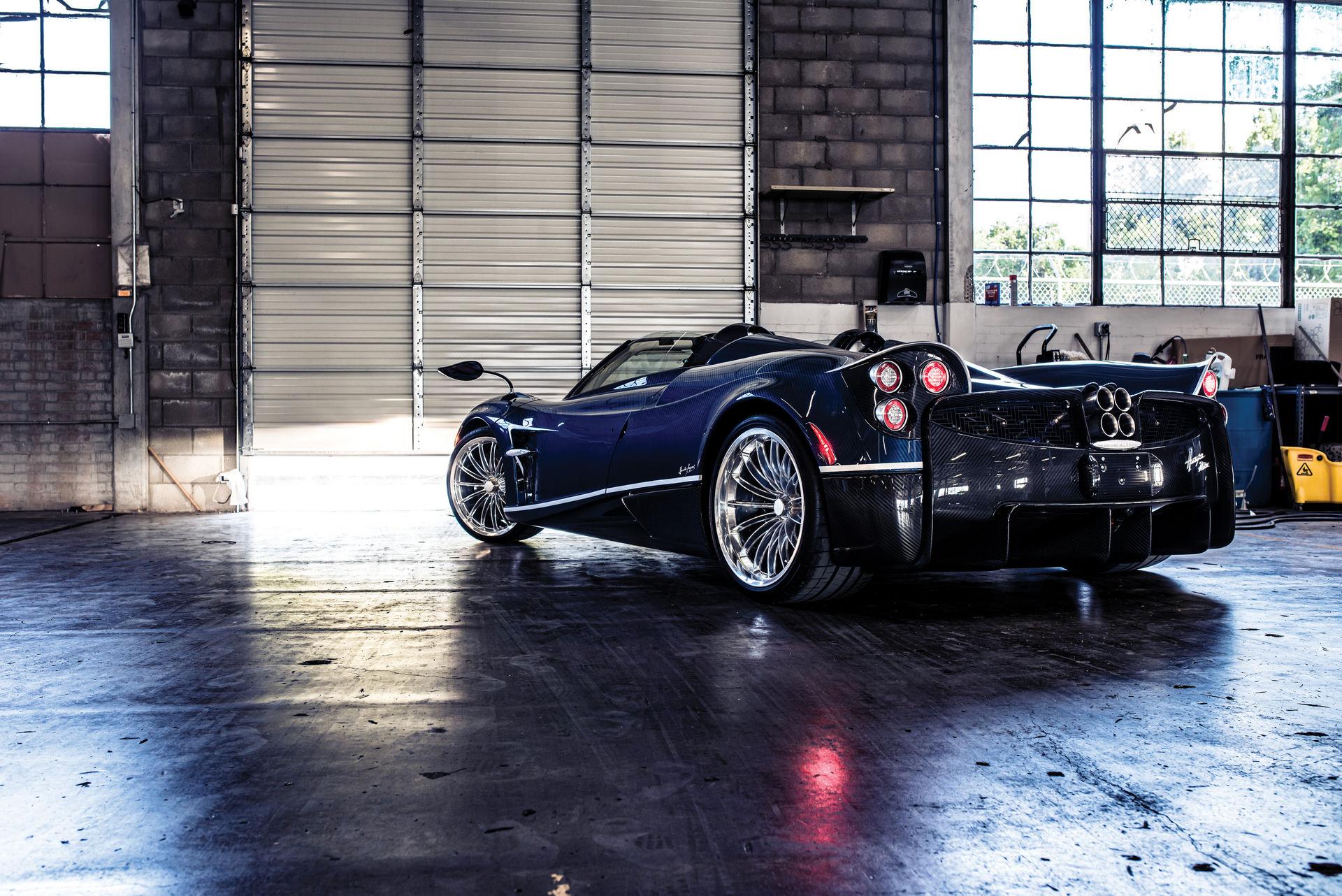 Pagani_Huayra_Roadster_sale_0034