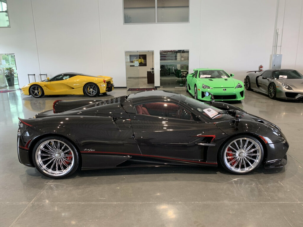 Pagani-Huayra-Roadster-for-sale-1