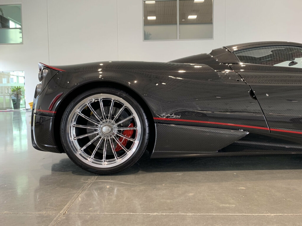 Pagani-Huayra-Roadster-for-sale-2