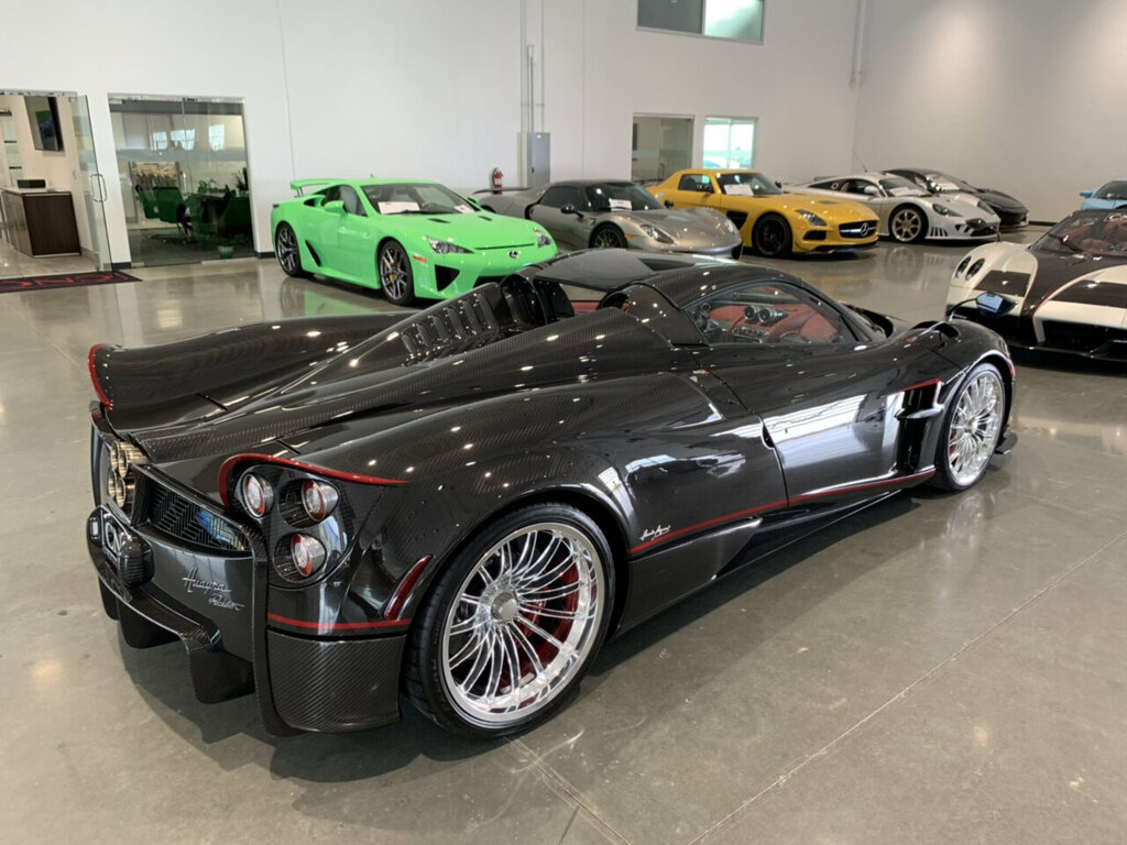Pagani-Huayra-Roadster-for-sale-3