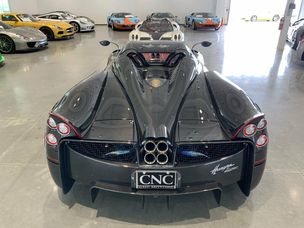 Pagani-Huayra-Roadster-for-sale-4