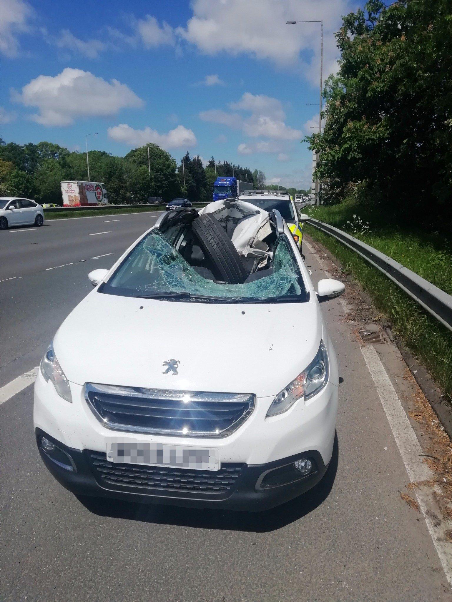 Peugeot-2008-lucky-driver-tyre-crash-1