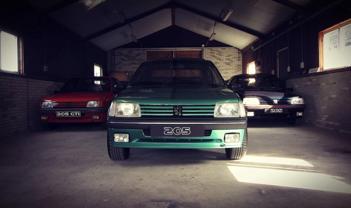 Peugeot_205_GTI_Griffe_0001