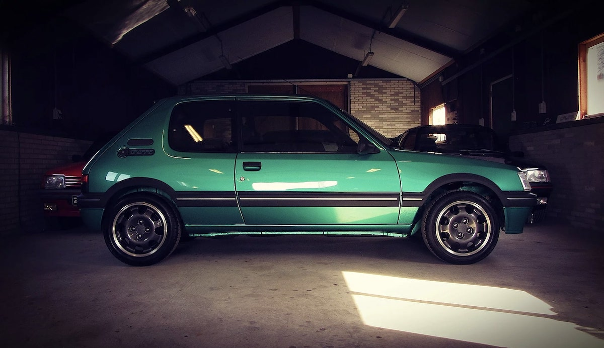 Peugeot_205_GTI_Griffe_0003