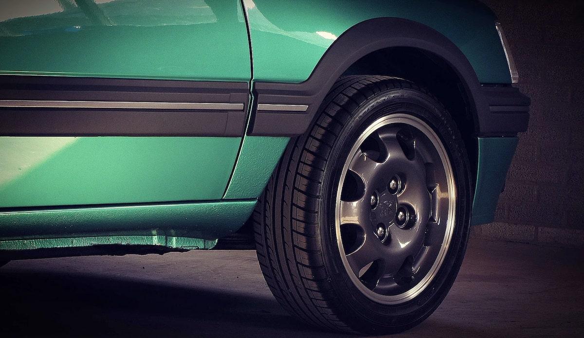 Peugeot_205_GTI_Griffe_0004