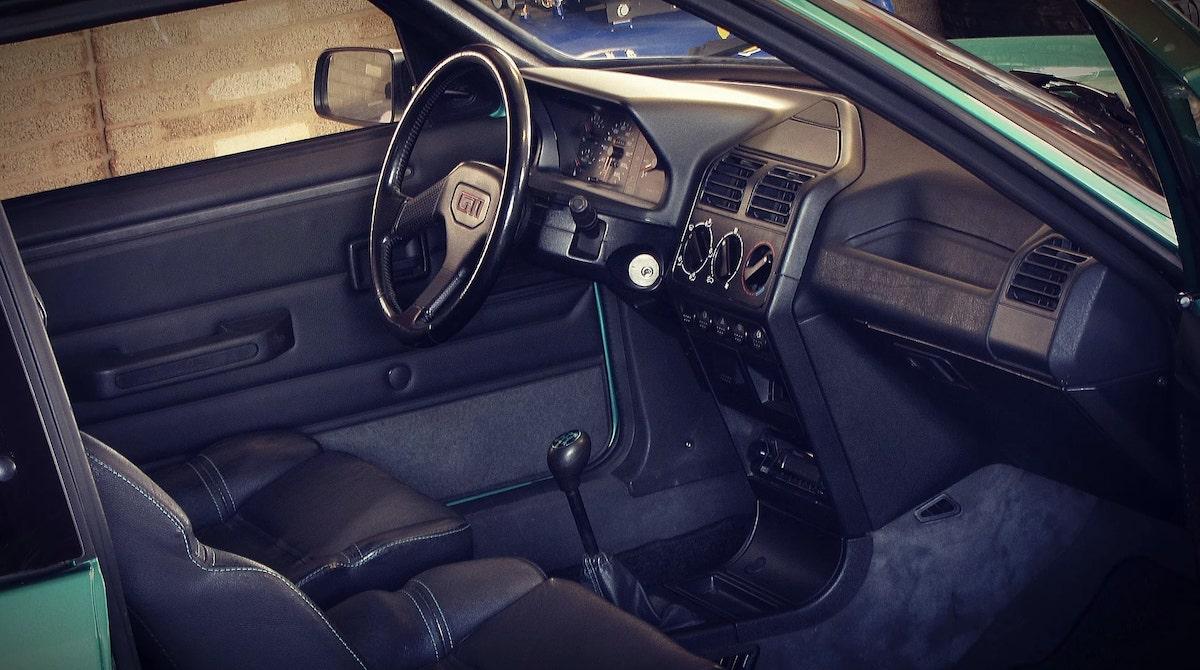 Peugeot_205_GTI_Griffe_0008