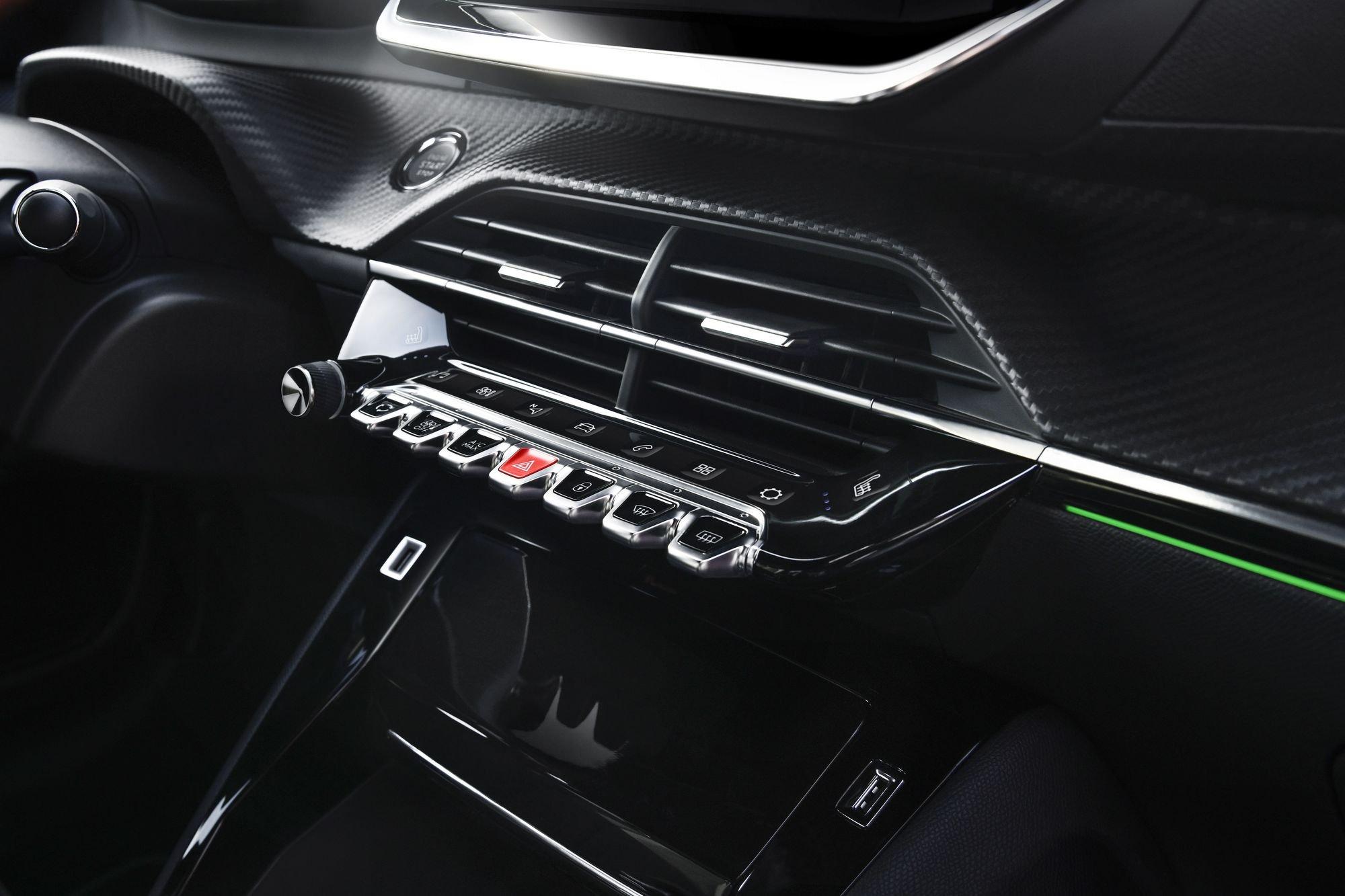 Peugeot 208 2019 (15)