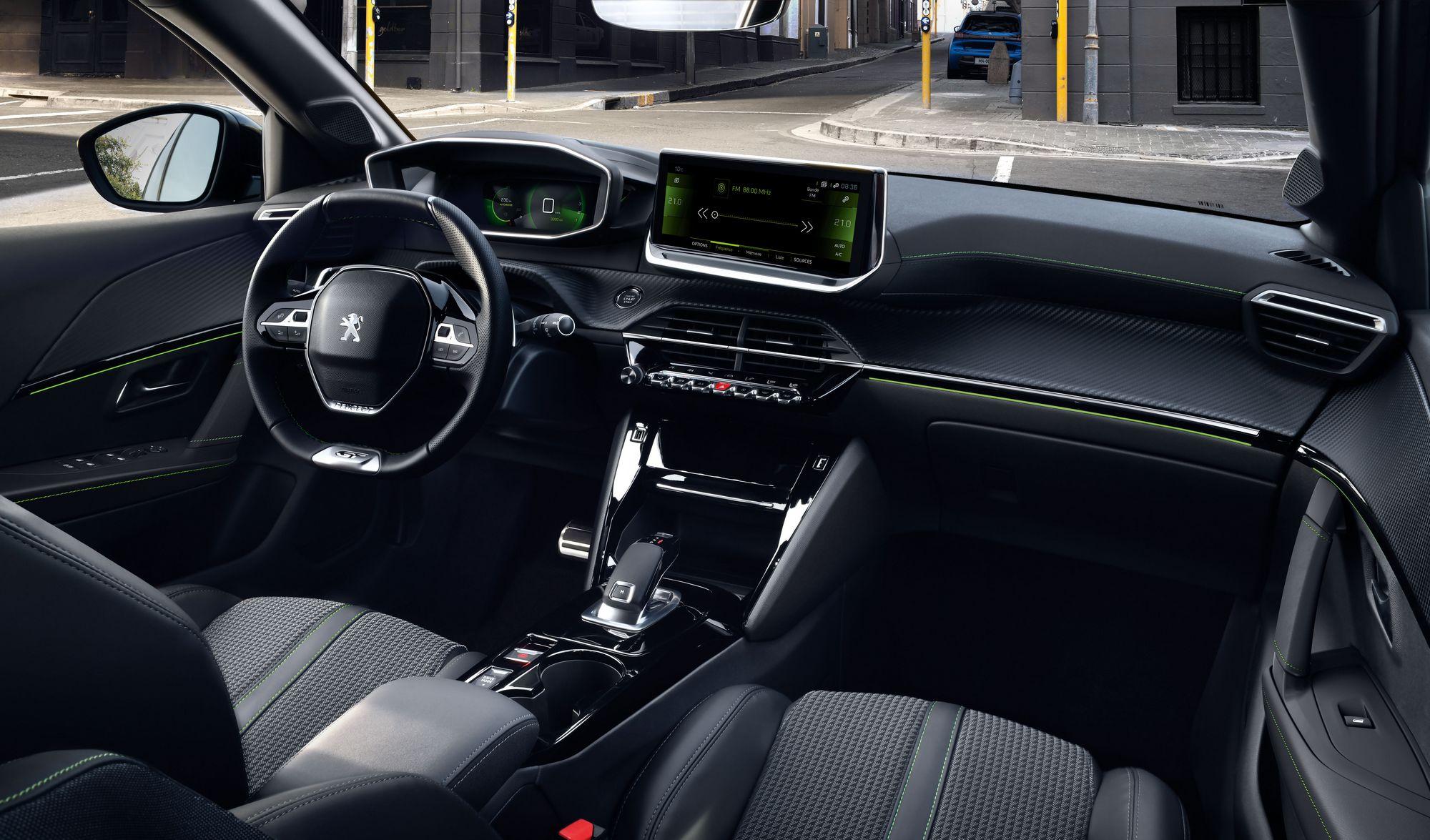 Peugeot 208 2019 (18)