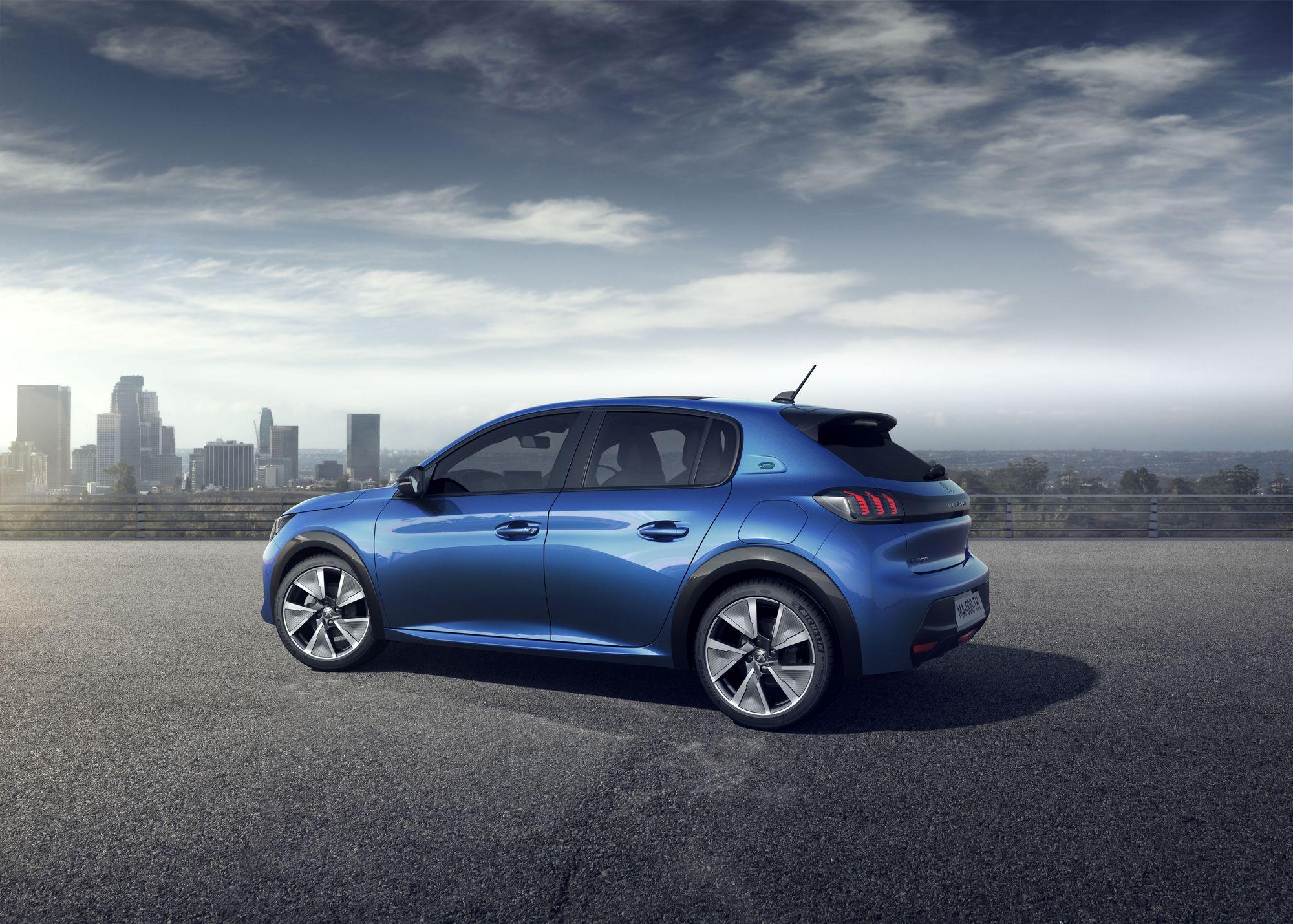 Peugeot 208 2019 (41)