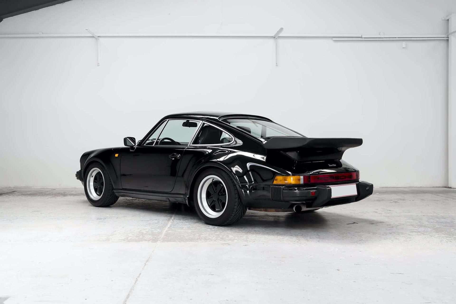 Porsche_911_930_Turbo_0002