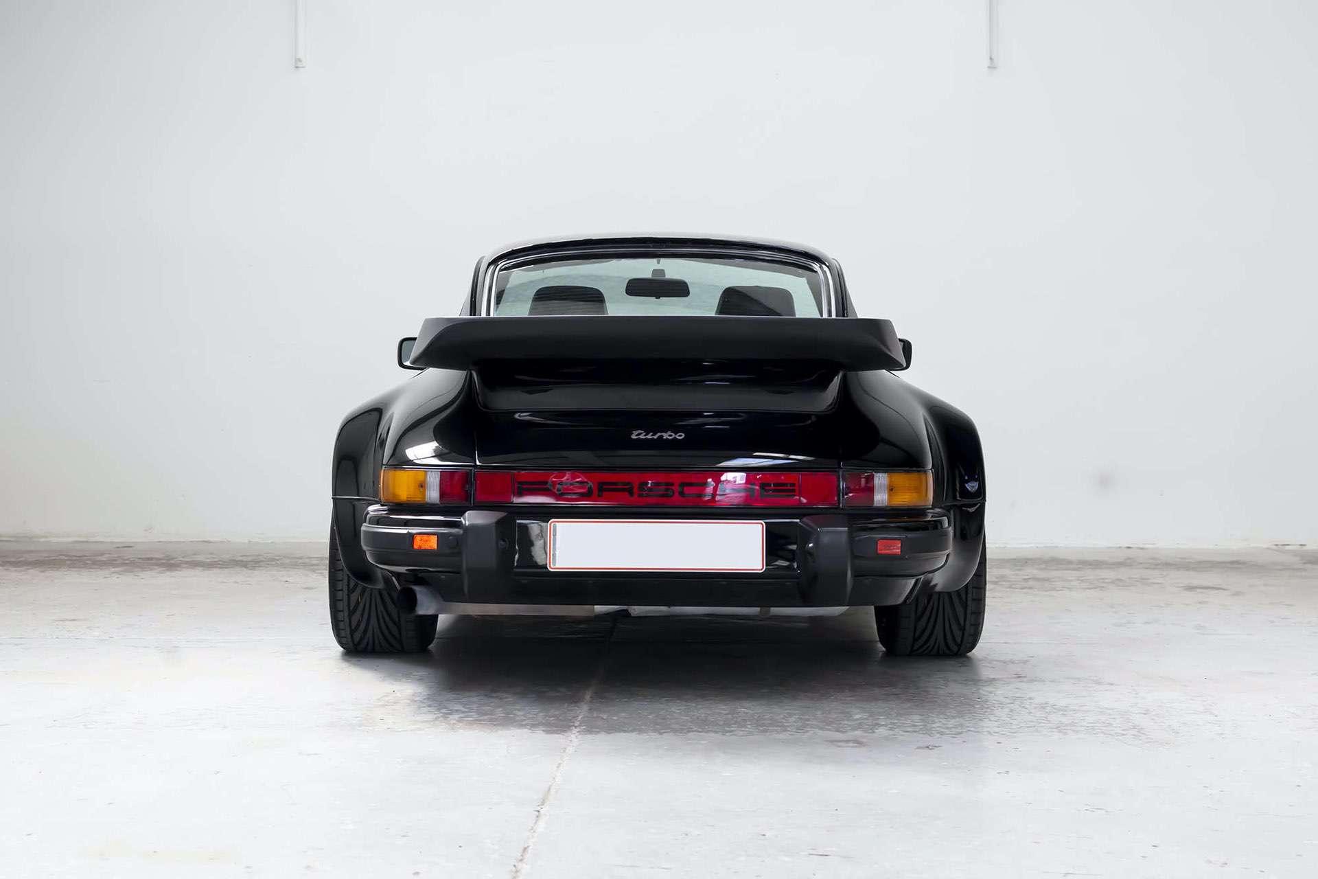 Porsche_911_930_Turbo_0003