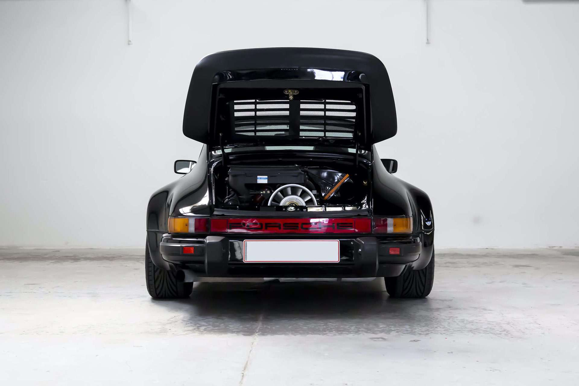 Porsche_911_930_Turbo_0004