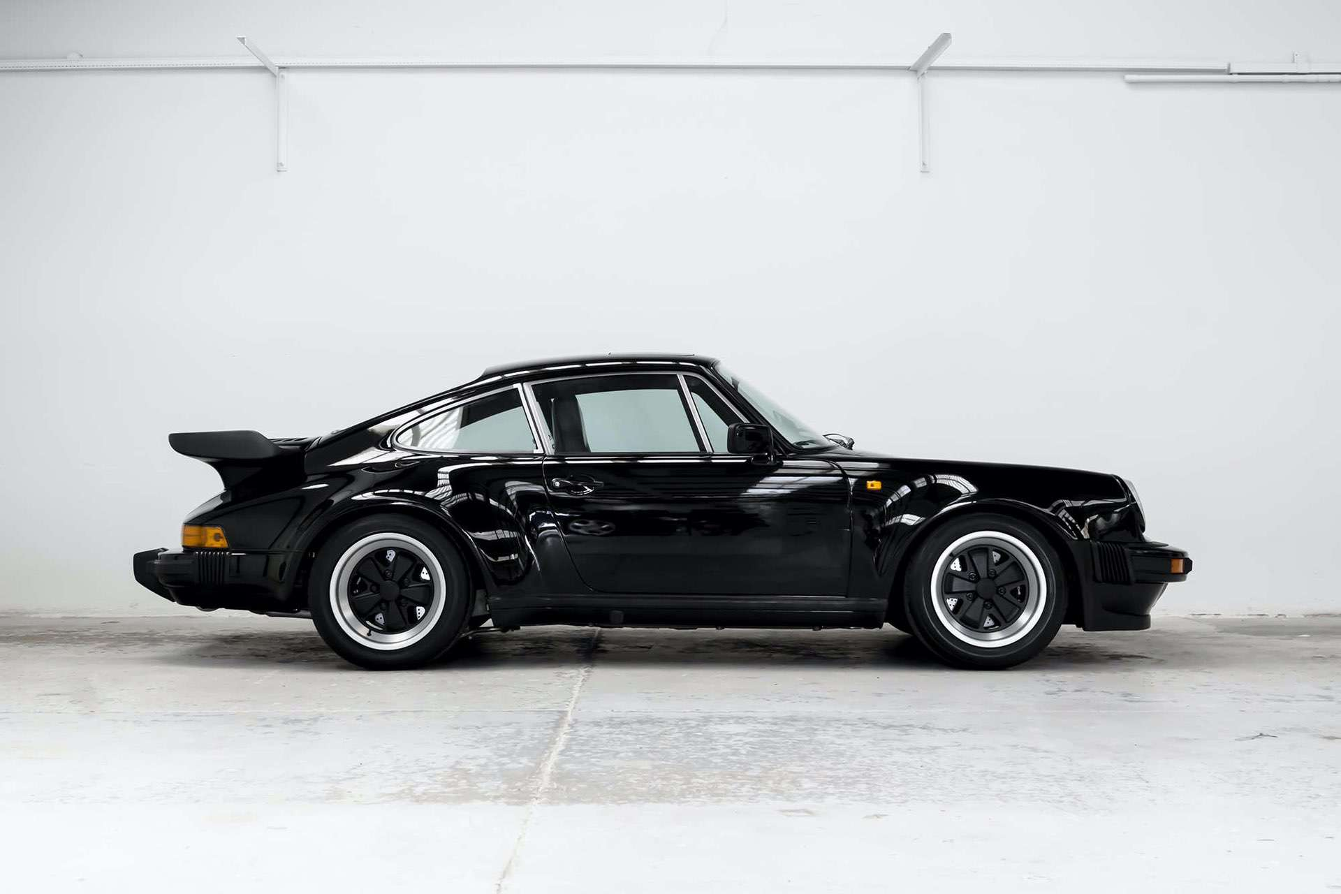 Porsche_911_930_Turbo_0007