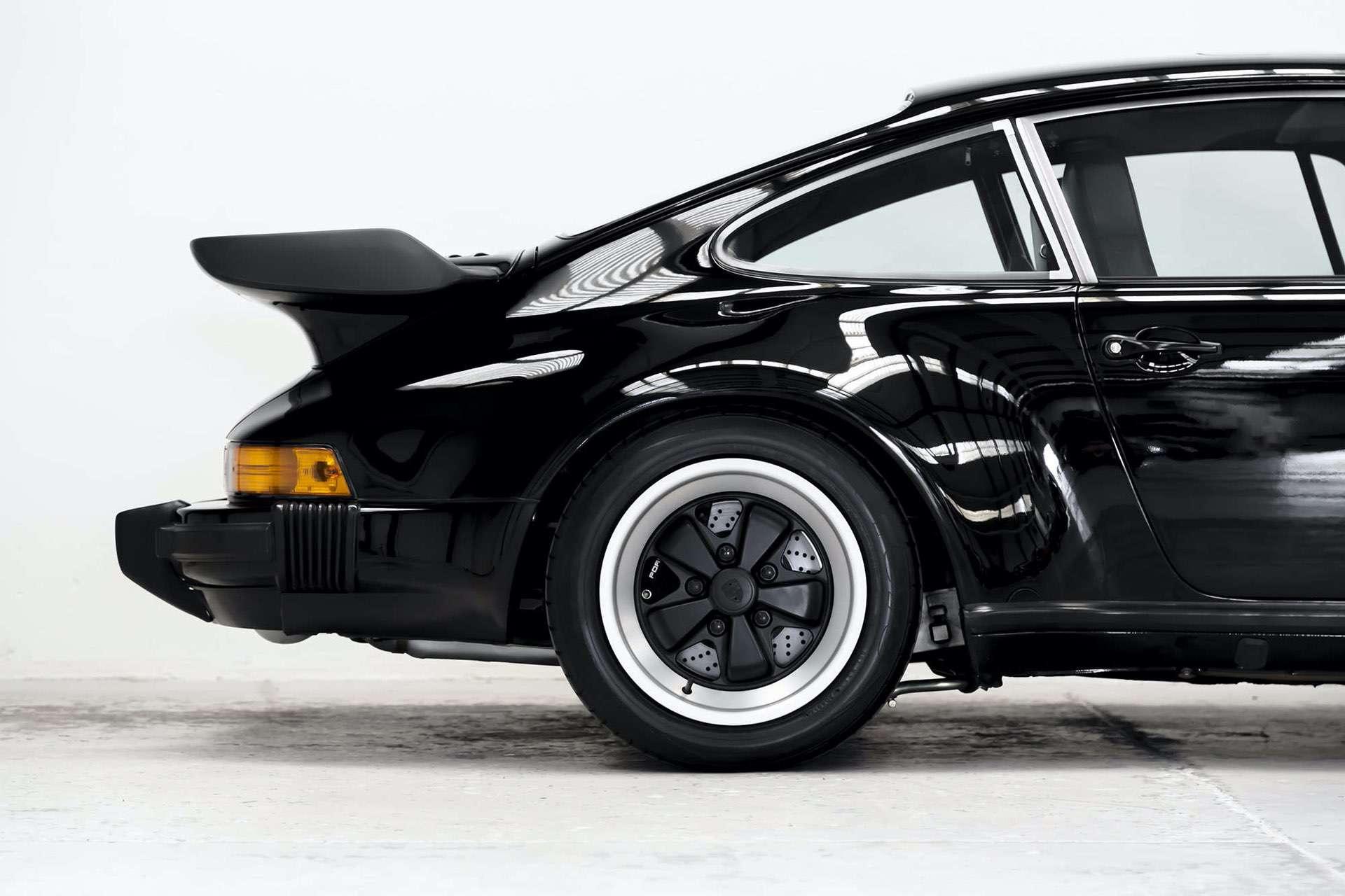 Porsche_911_930_Turbo_0010