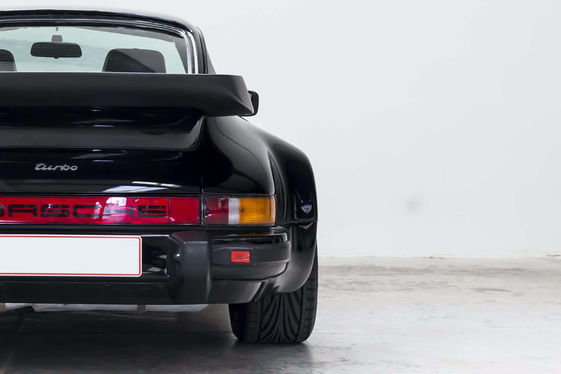 Porsche_911_930_Turbo_0012