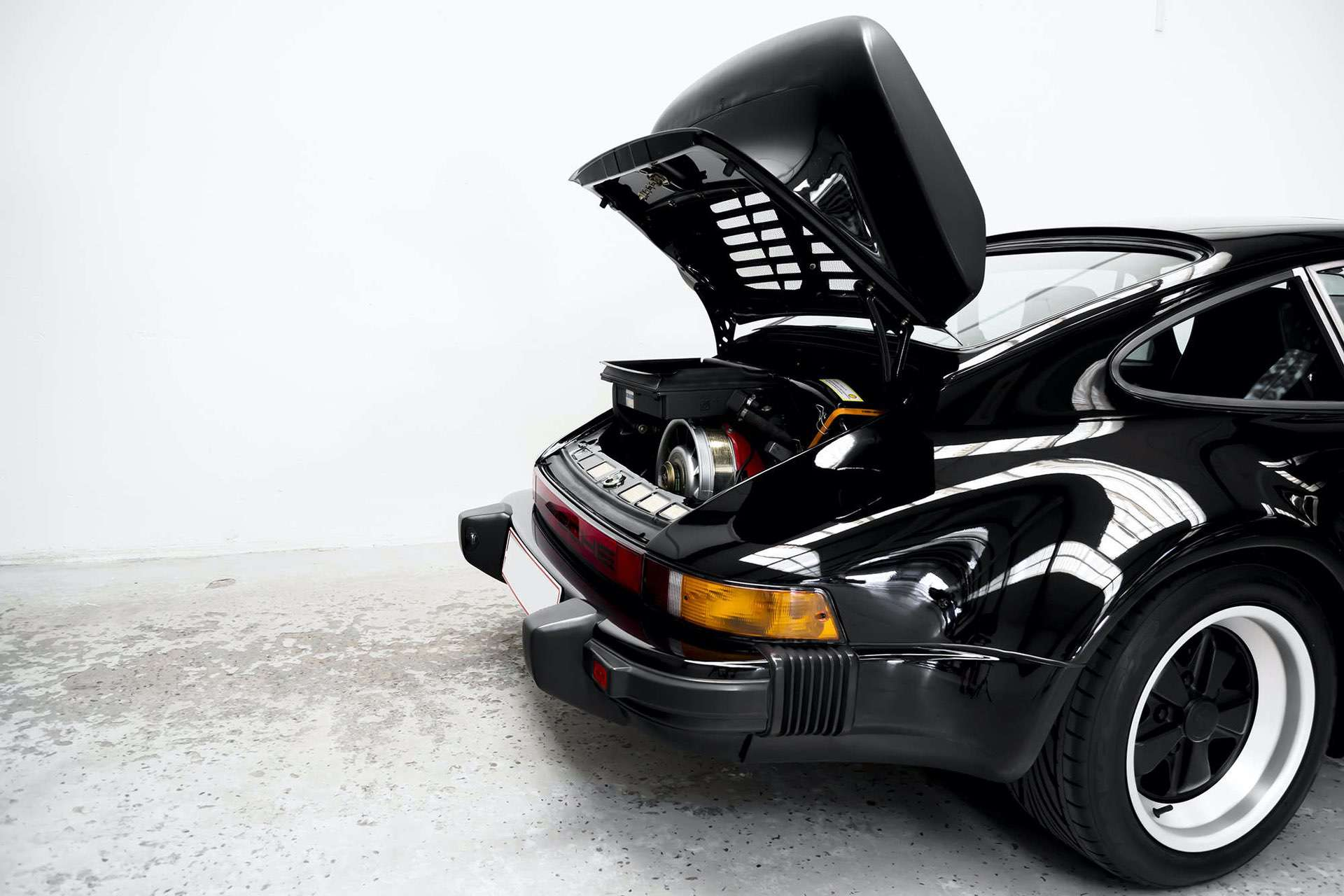 Porsche_911_930_Turbo_0023
