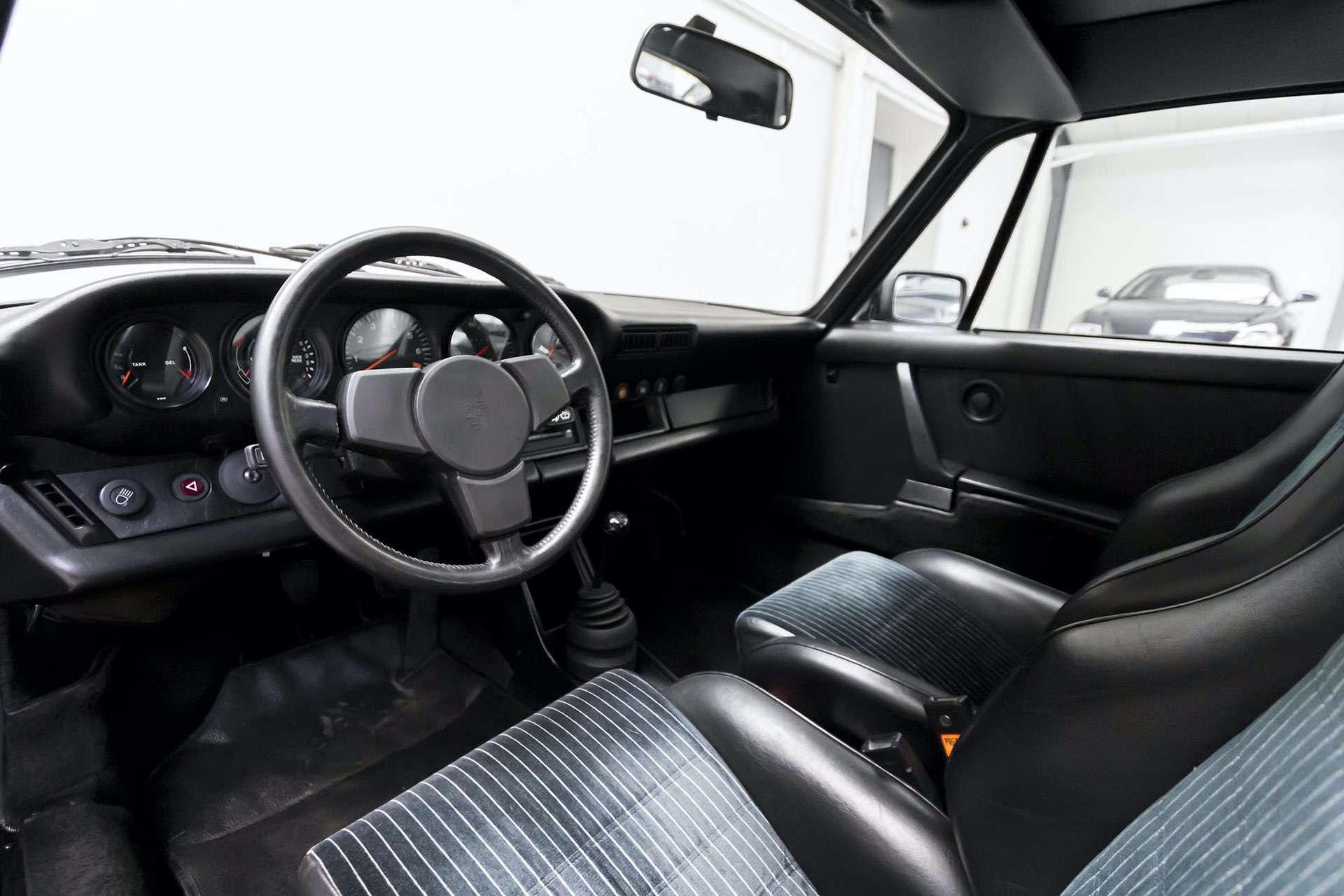 Porsche_911_930_Turbo_0030