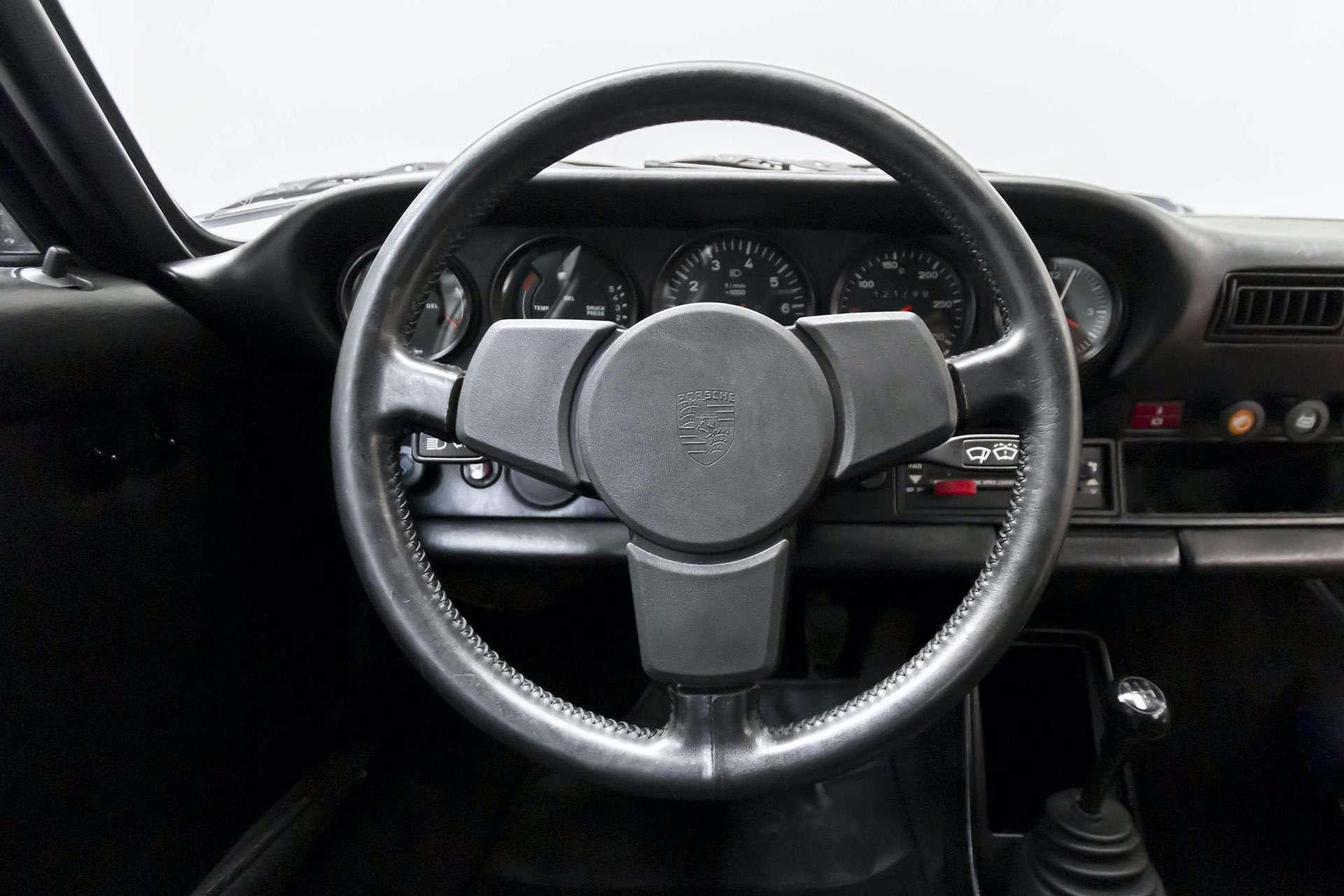 Porsche_911_930_Turbo_0031