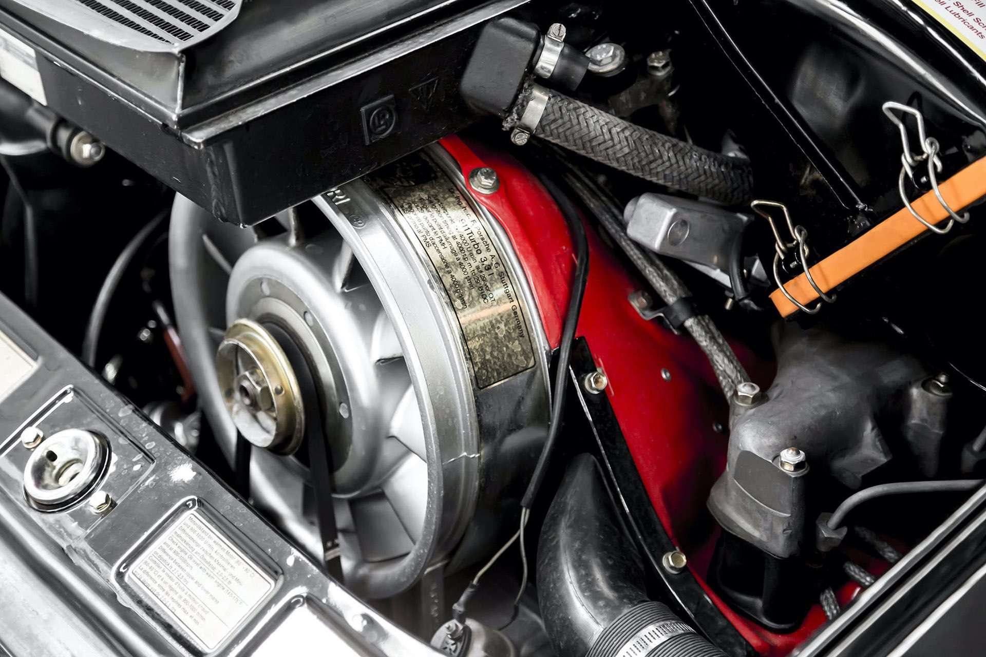 Porsche_911_930_Turbo_0040
