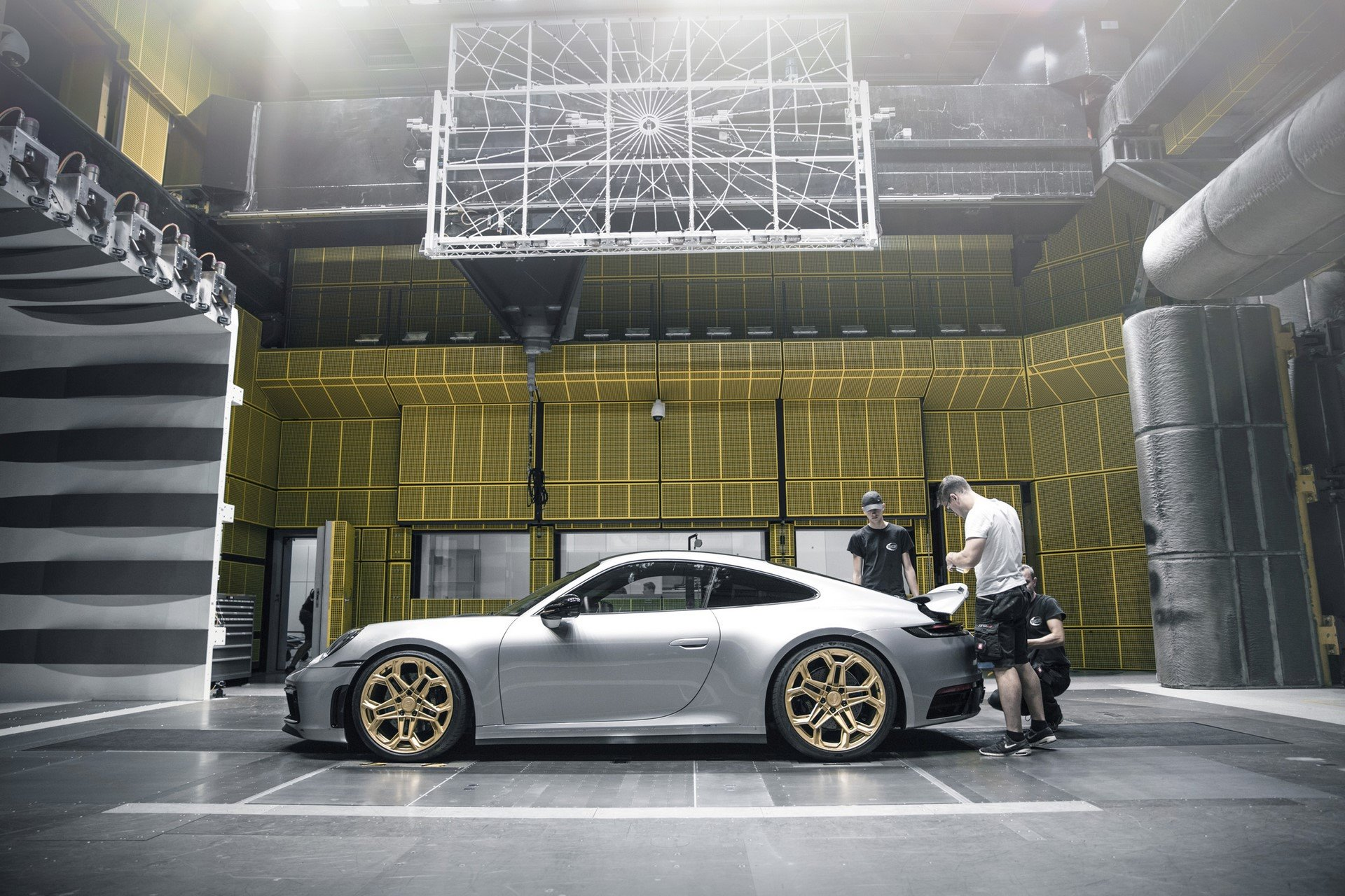 Porsche-911-Carrera-4S-by-TechArt-55