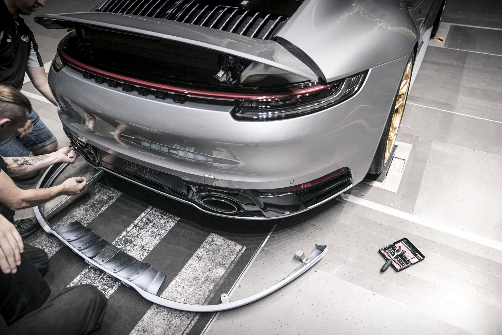 Porsche-911-Carrera-4S-by-TechArt-57