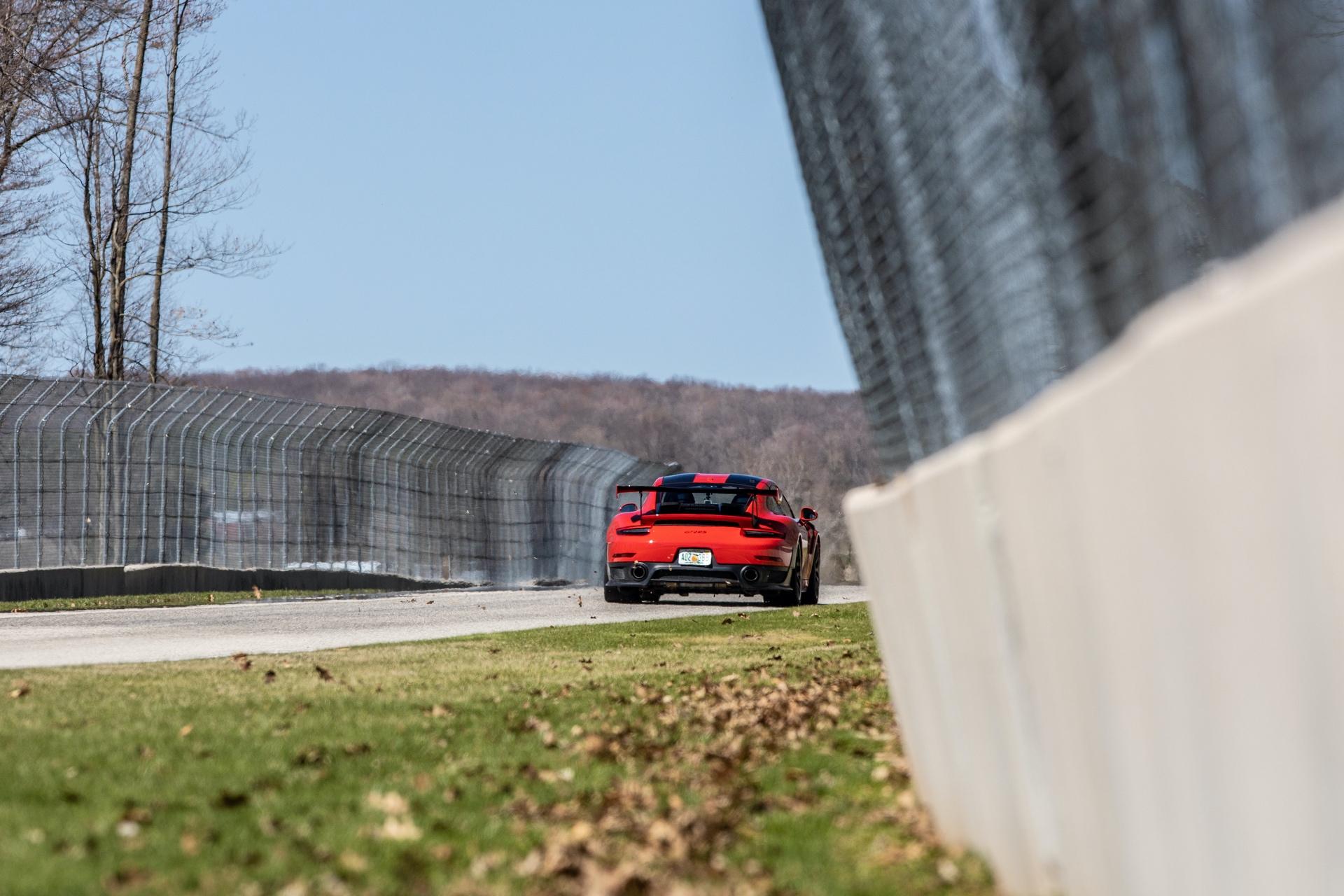 Porsche_911_GT2_RS_Road_America_0006