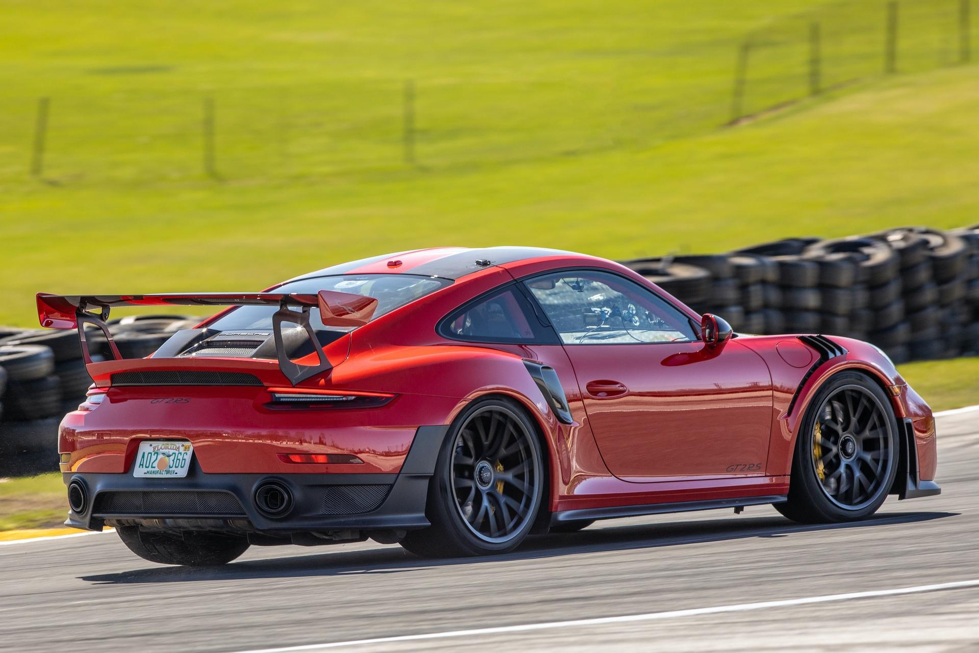 Porsche_911_GT2_RS_Road_America_0007