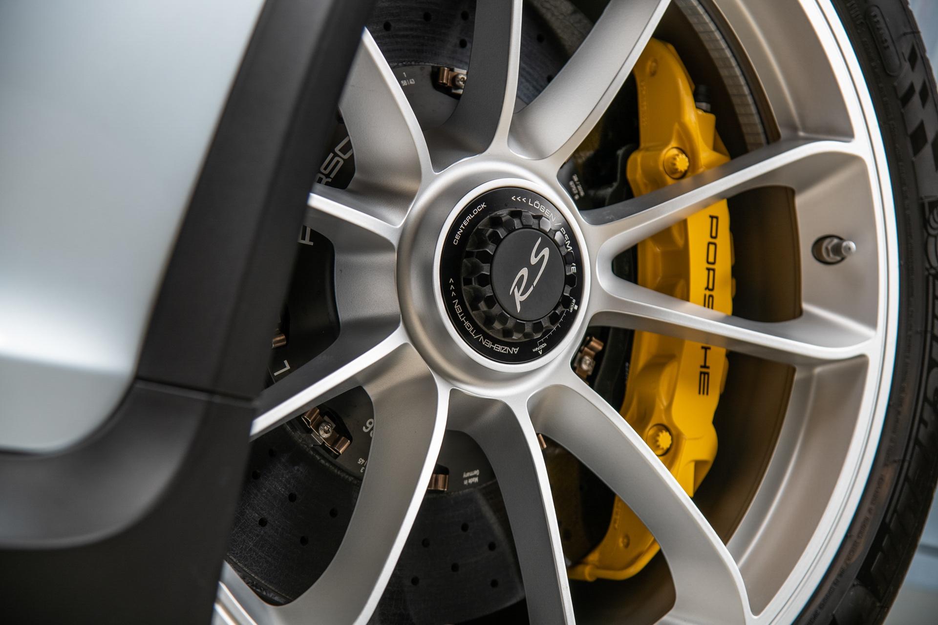 Porsche_911_GT3_RS_-Seinfeld_0016