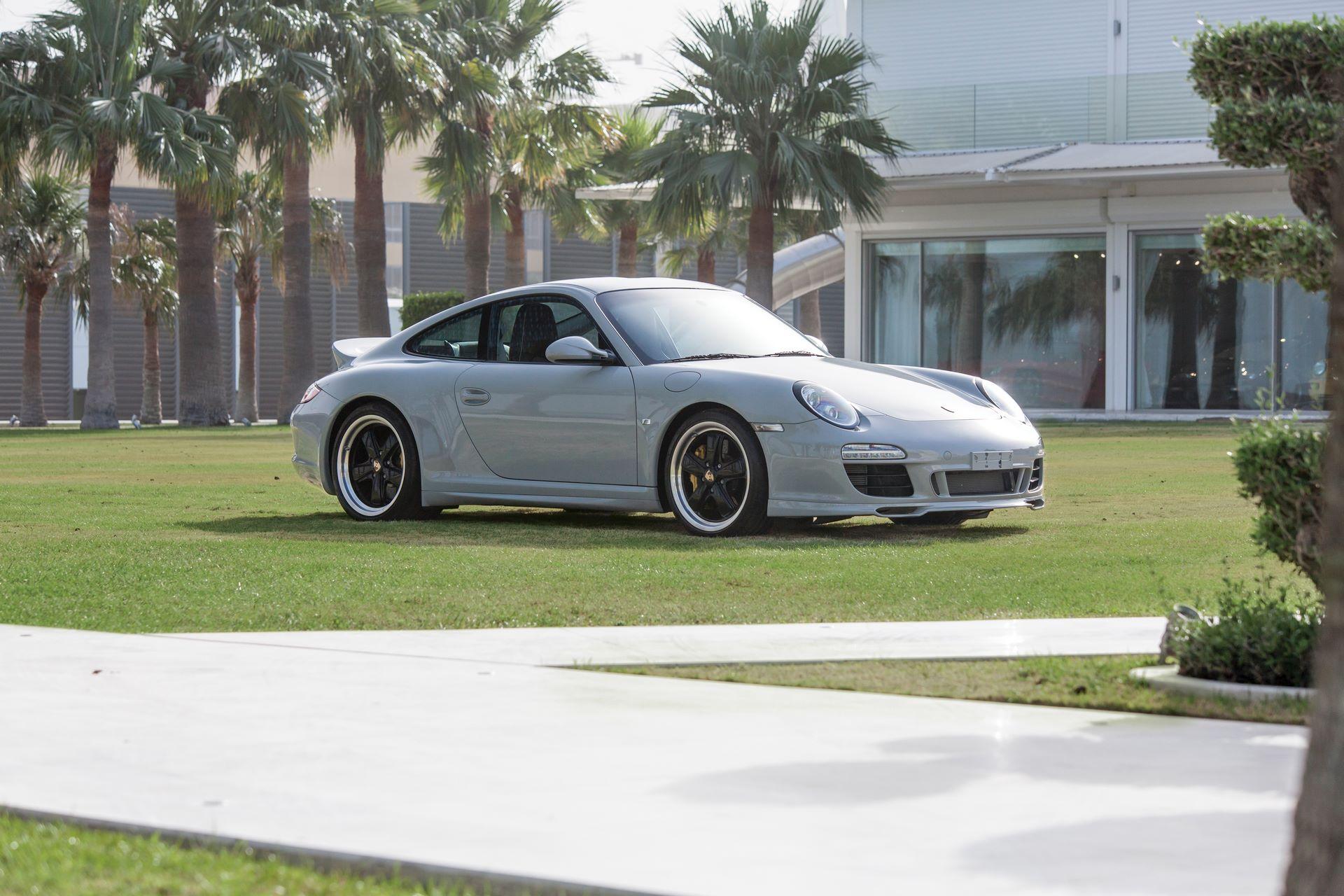 2010-Porsche-911-Sport-Classic-_0