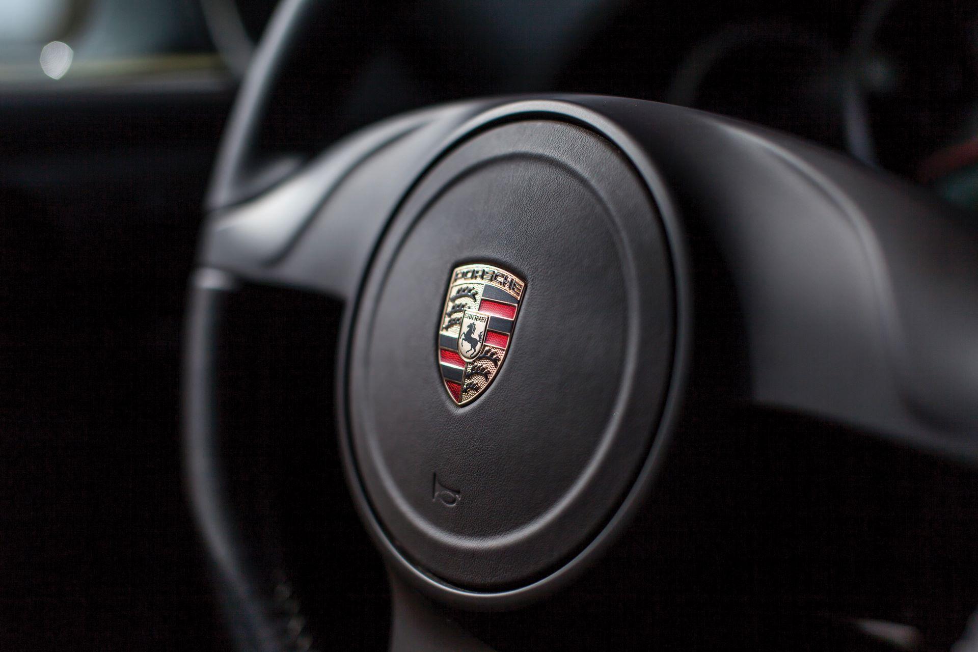 2010-Porsche-911-Sport-Classic-_10