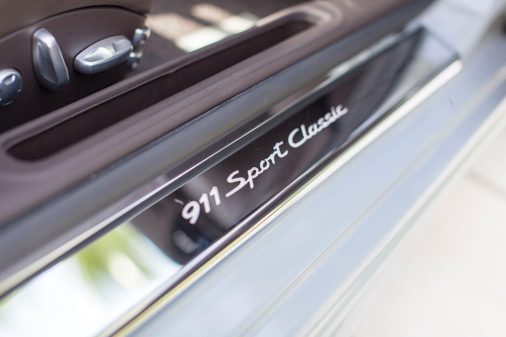 2010-Porsche-911-Sport-Classic-_19