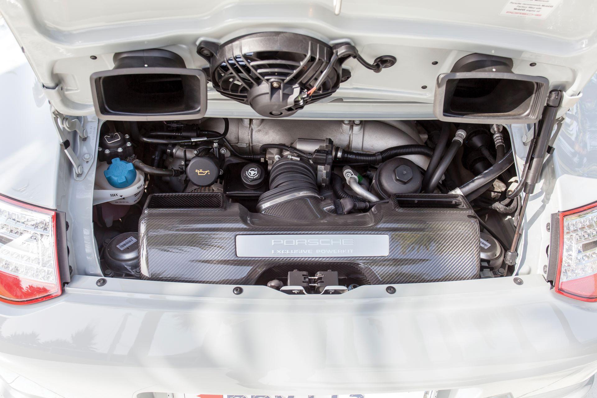 2010-Porsche-911-Sport-Classic-_2