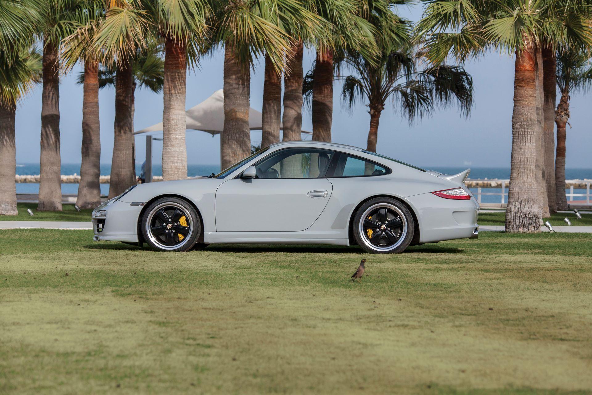2010-Porsche-911-Sport-Classic-_4