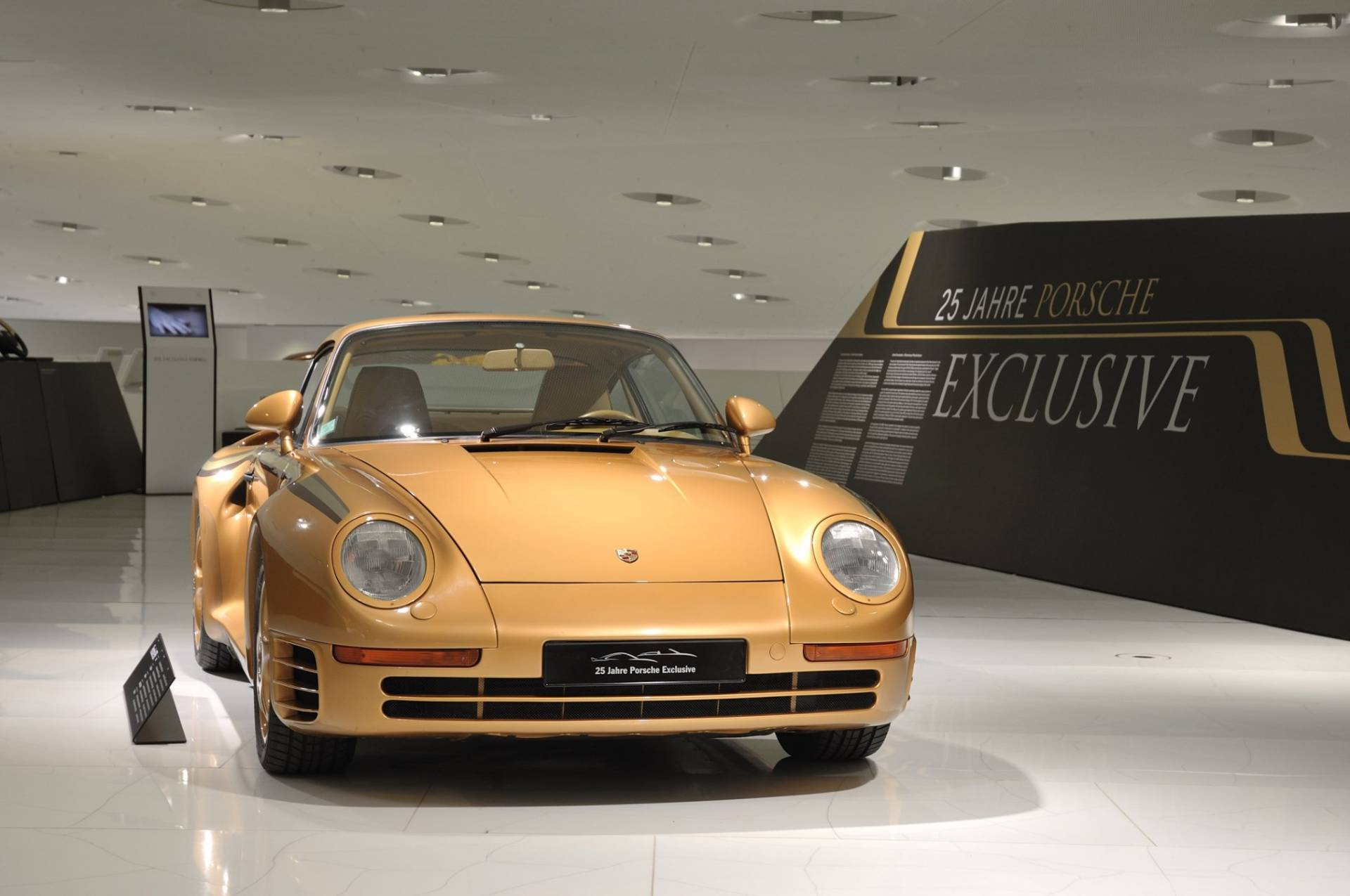 cb97e580-porsche-exclusive-959-in-gold-built-for-arab-prince-5
