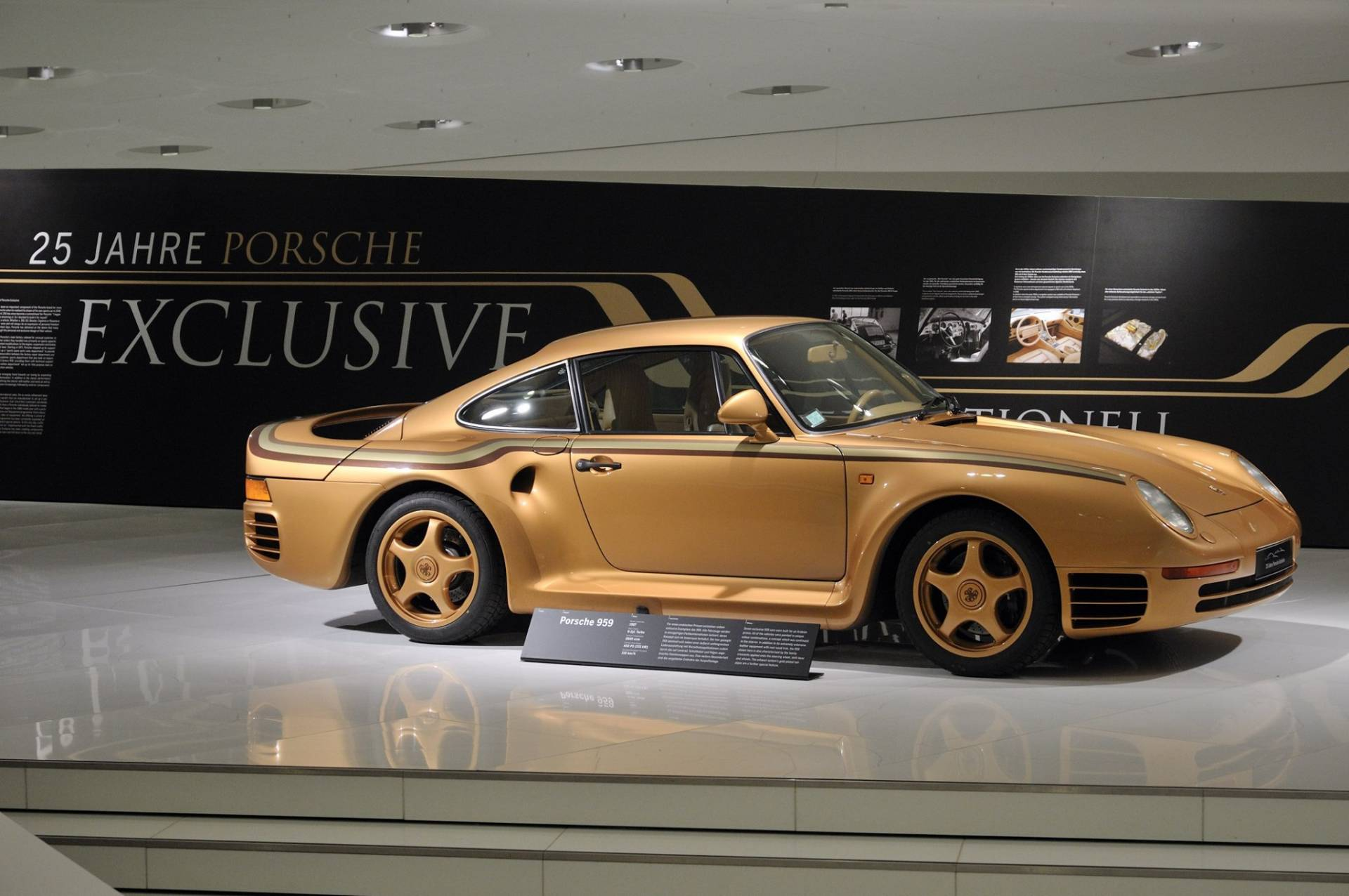 feeffa79-porsche-exclusive-959-in-gold-built-for-arab-prince-4