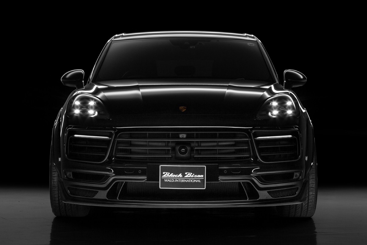 Porsche Cayenne Black Bison Wald International (1)