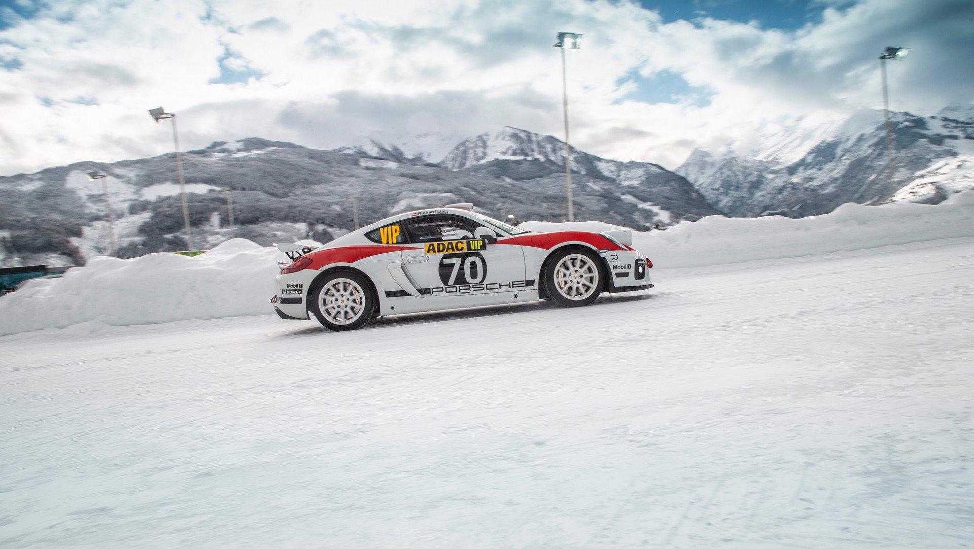 Porsche Cayman GT4 Rallye (3)