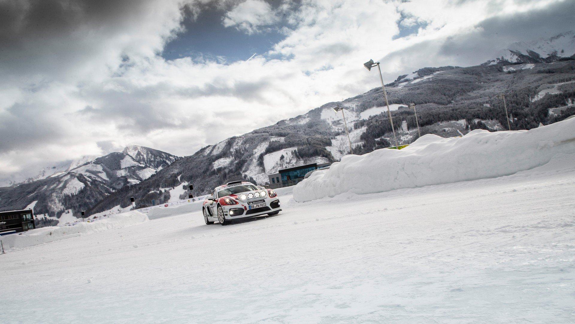 Porsche Cayman GT4 Rallye (4)
