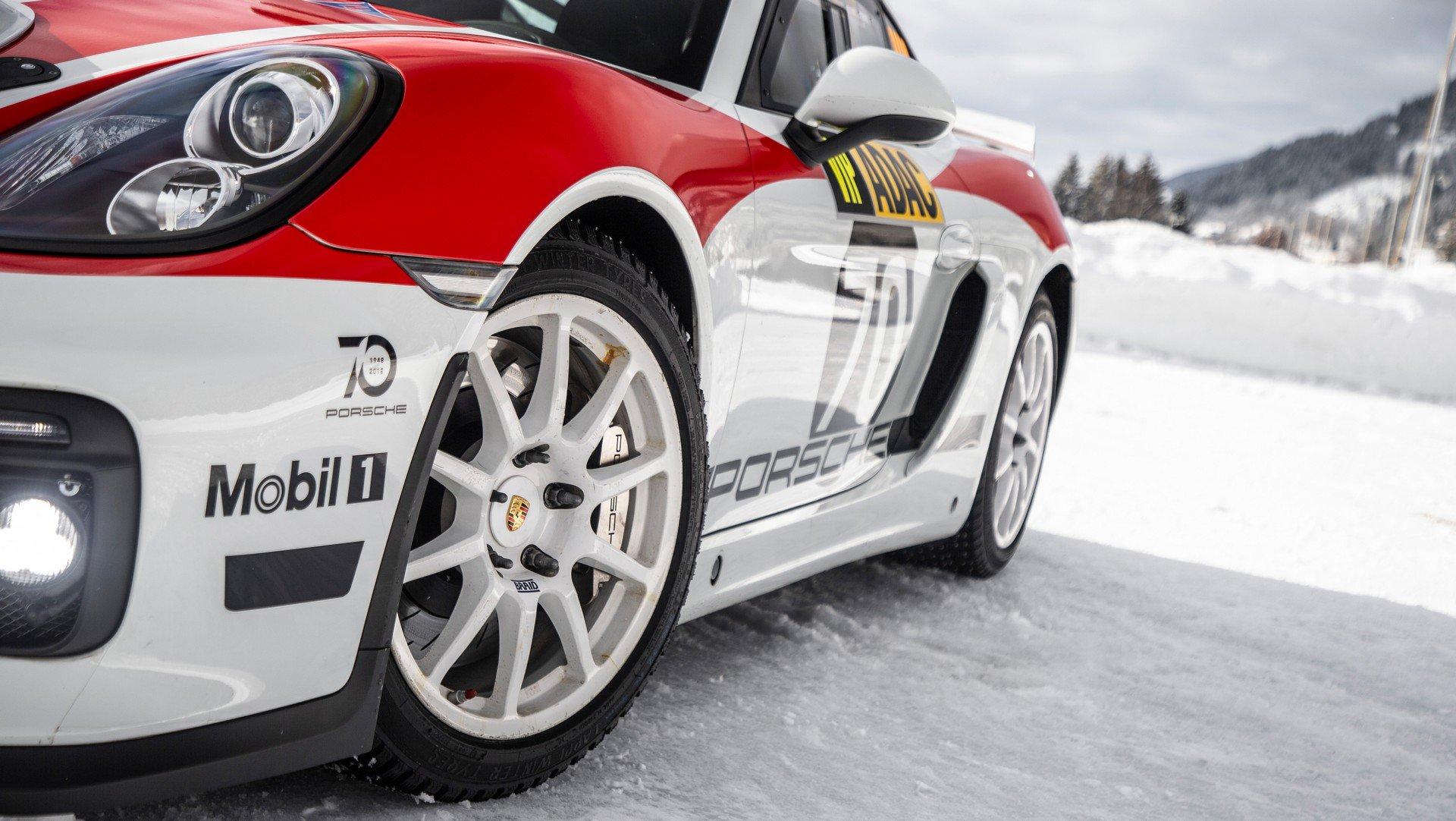 Porsche Cayman GT4 Rallye (6)