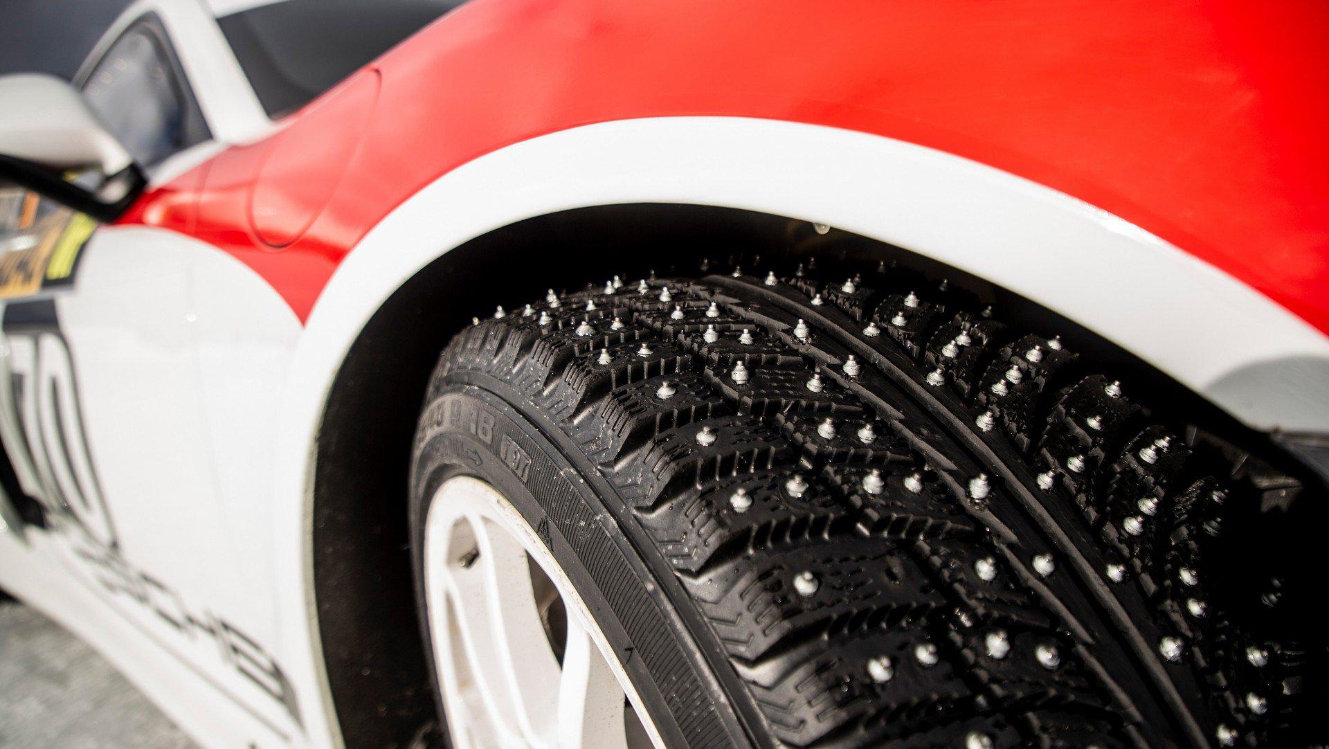 Porsche Cayman GT4 Rallye (7)